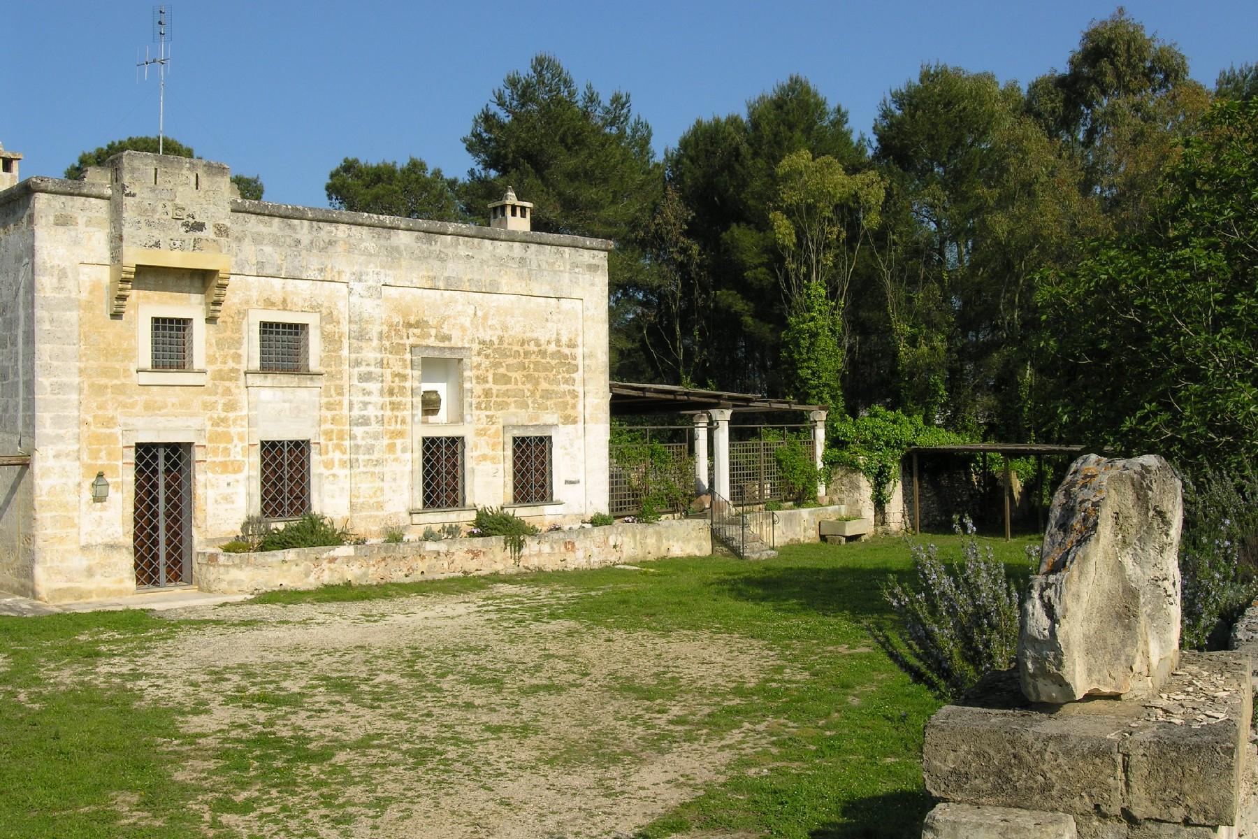 Casa indipendente in Vendita a Tricase: 5 locali, 600 mq - Foto 2