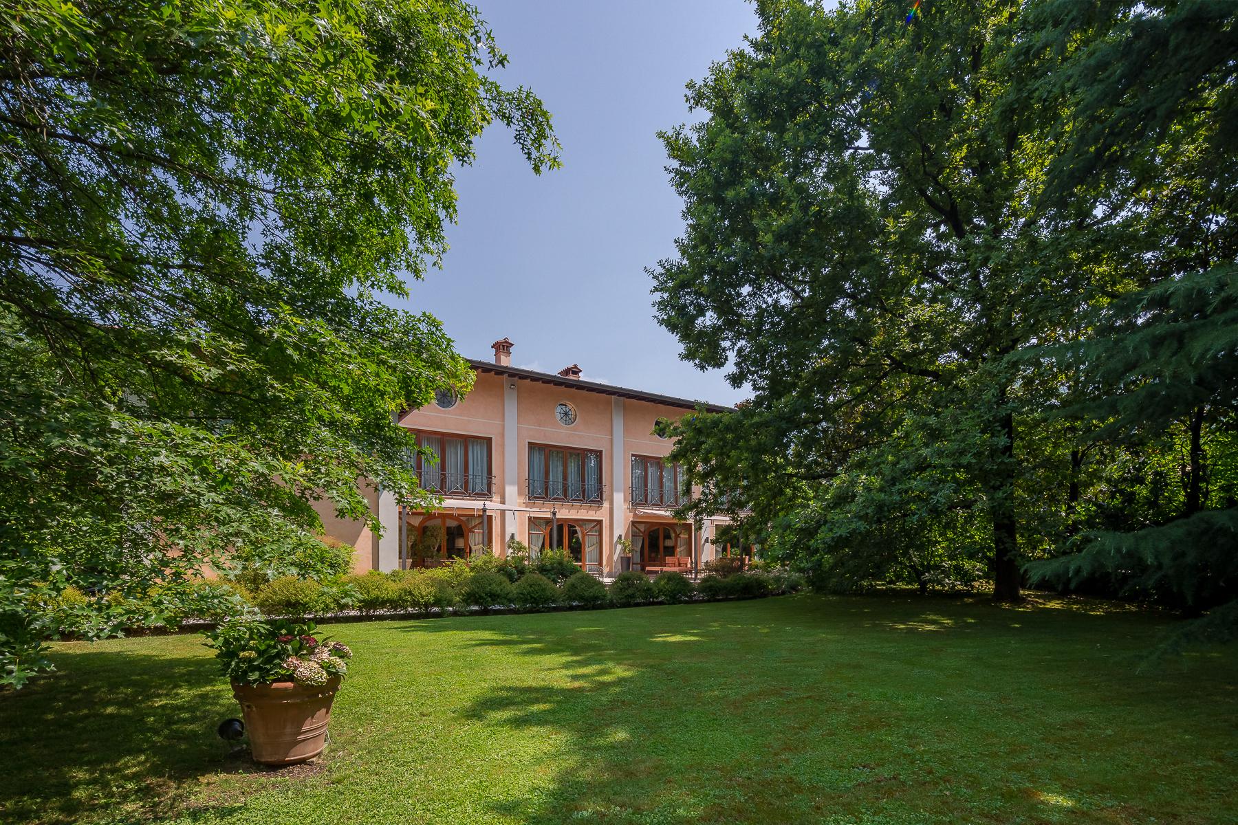 Villa in Vendita a Ome: 5 locali, 700 mq