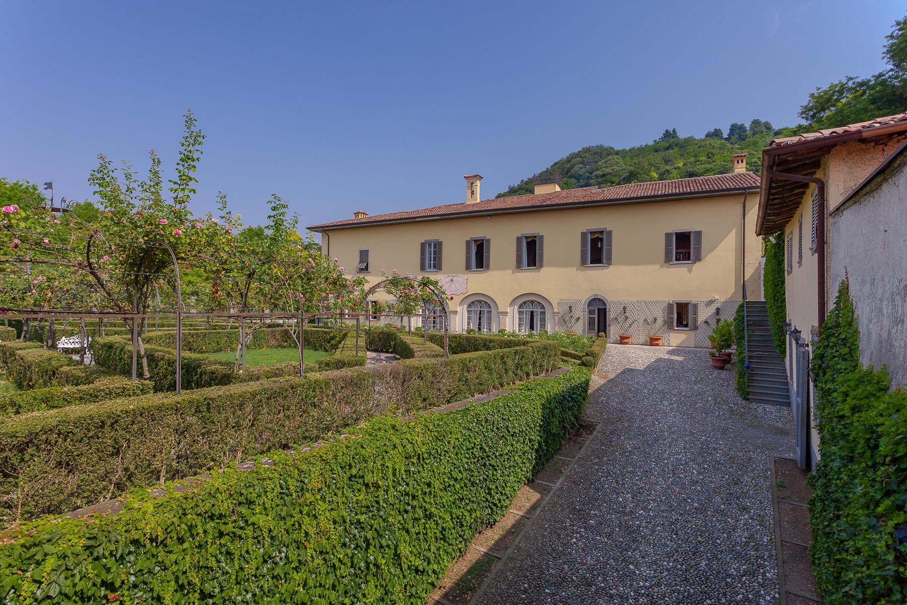 Villa in Vendita a Chiuduno: 5 locali, 1600 mq