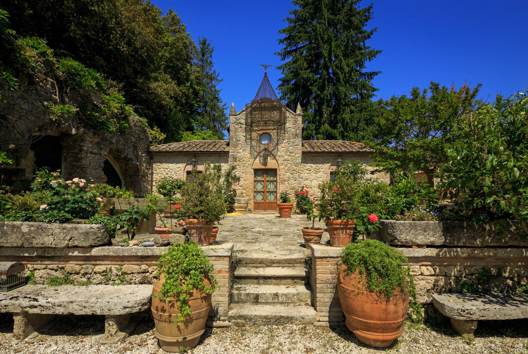 Villa in Vendita a Cetona: 5 locali, 510 mq