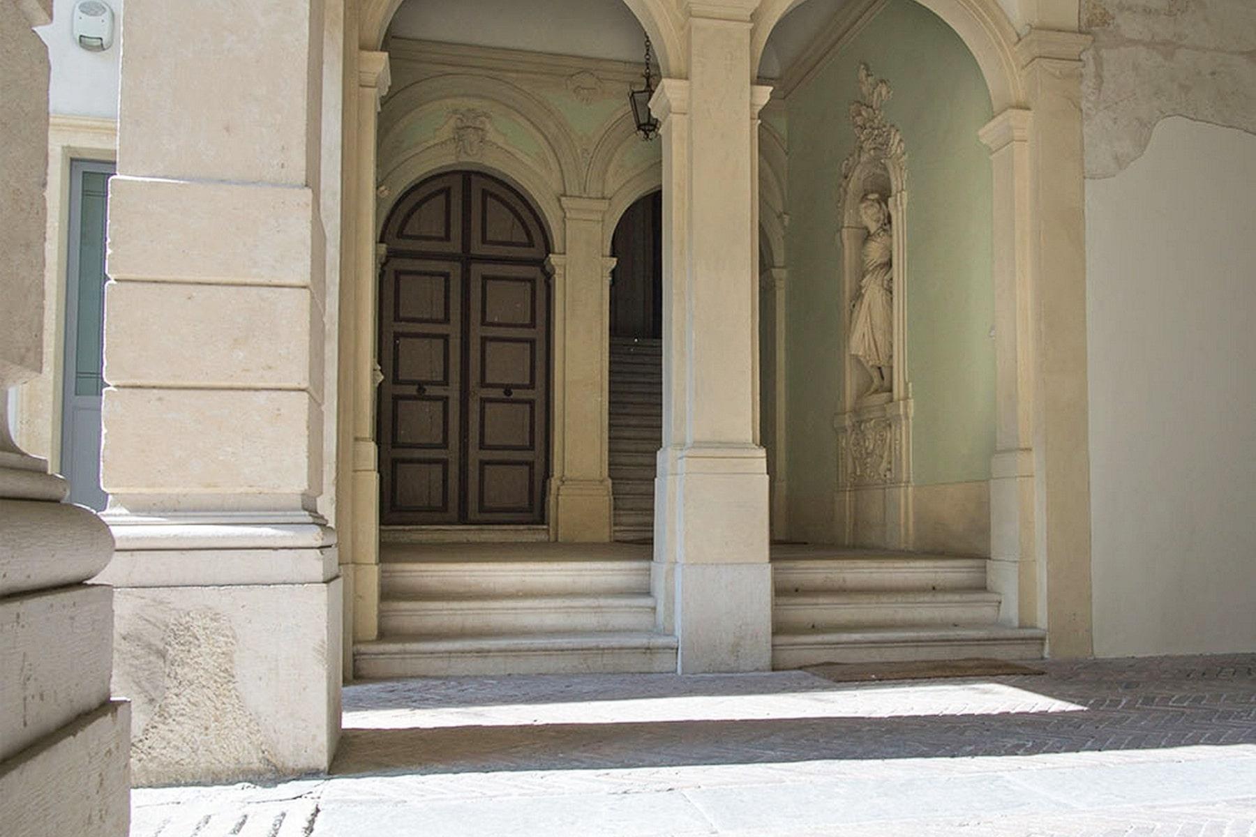 Ufficio-studio in Vendita a Verona: 5 locali, 615 mq - Foto 20