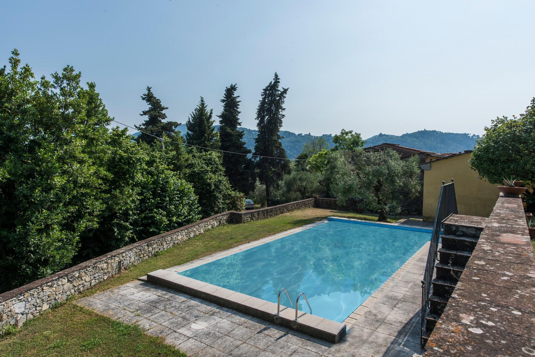 Villa in Vendita a Lucca: 5 locali, 650 mq