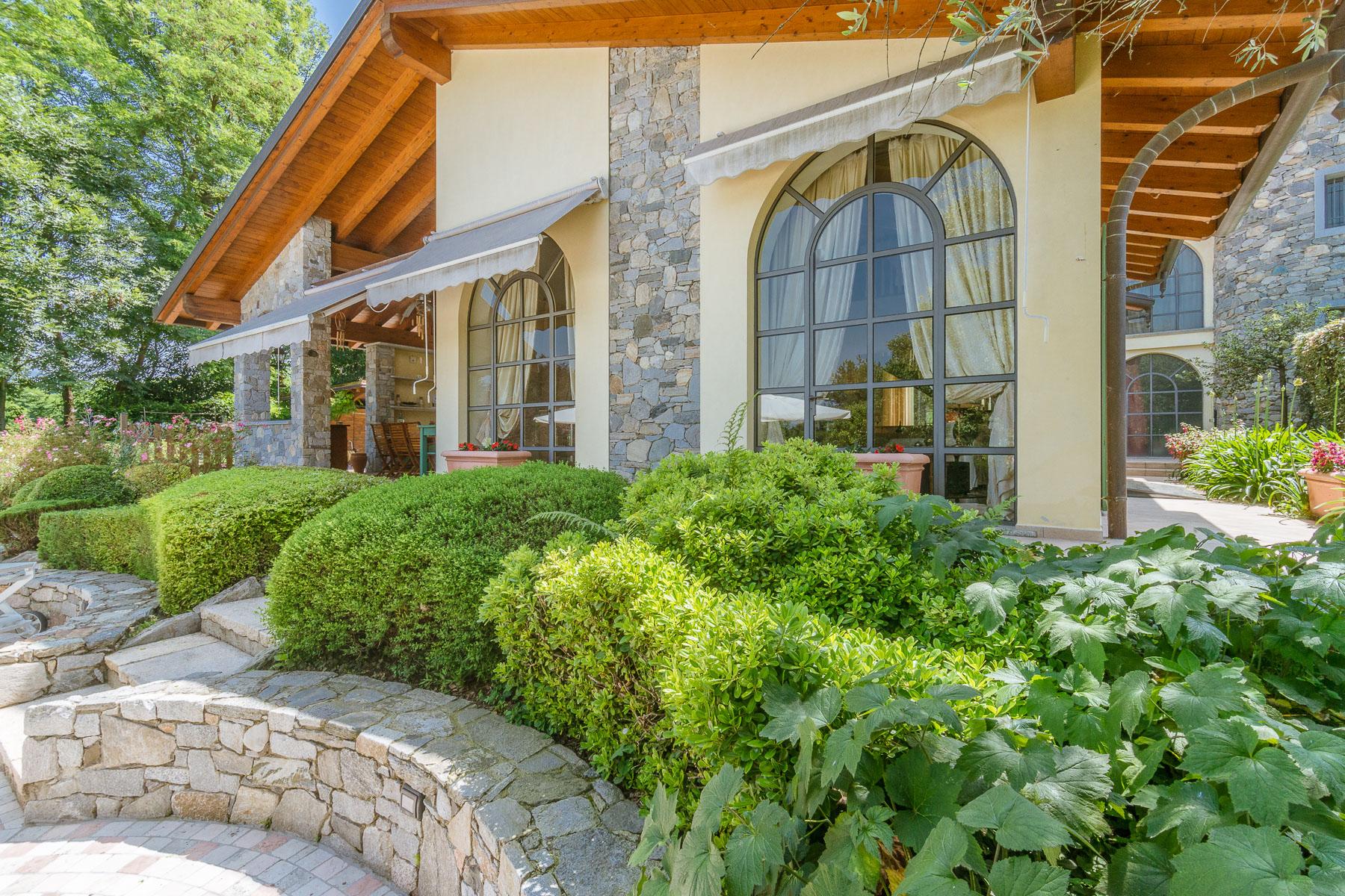 Villa in Vendita a Besozzo: 5 locali, 426 mq - Foto 2