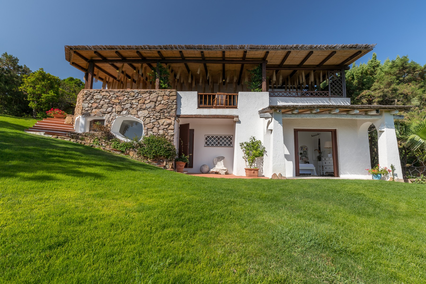Villa in Vendita a Arzachena: 5 locali, 220 mq - Foto 2