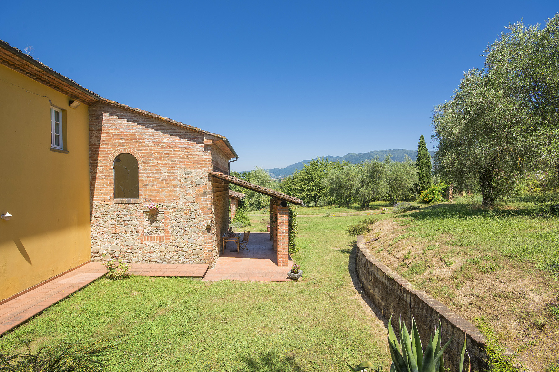 Rustico in Vendita a Capannori: 5 locali, 400 mq - Foto 18