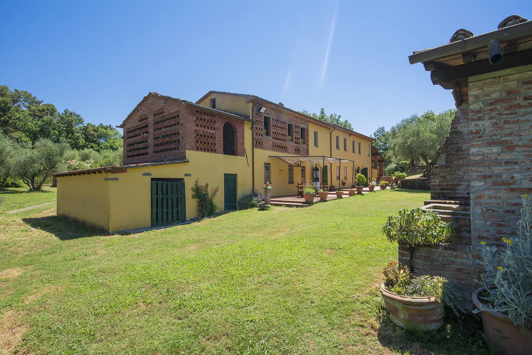 Rustico in Vendita a Capannori: 5 locali, 400 mq - Foto 16