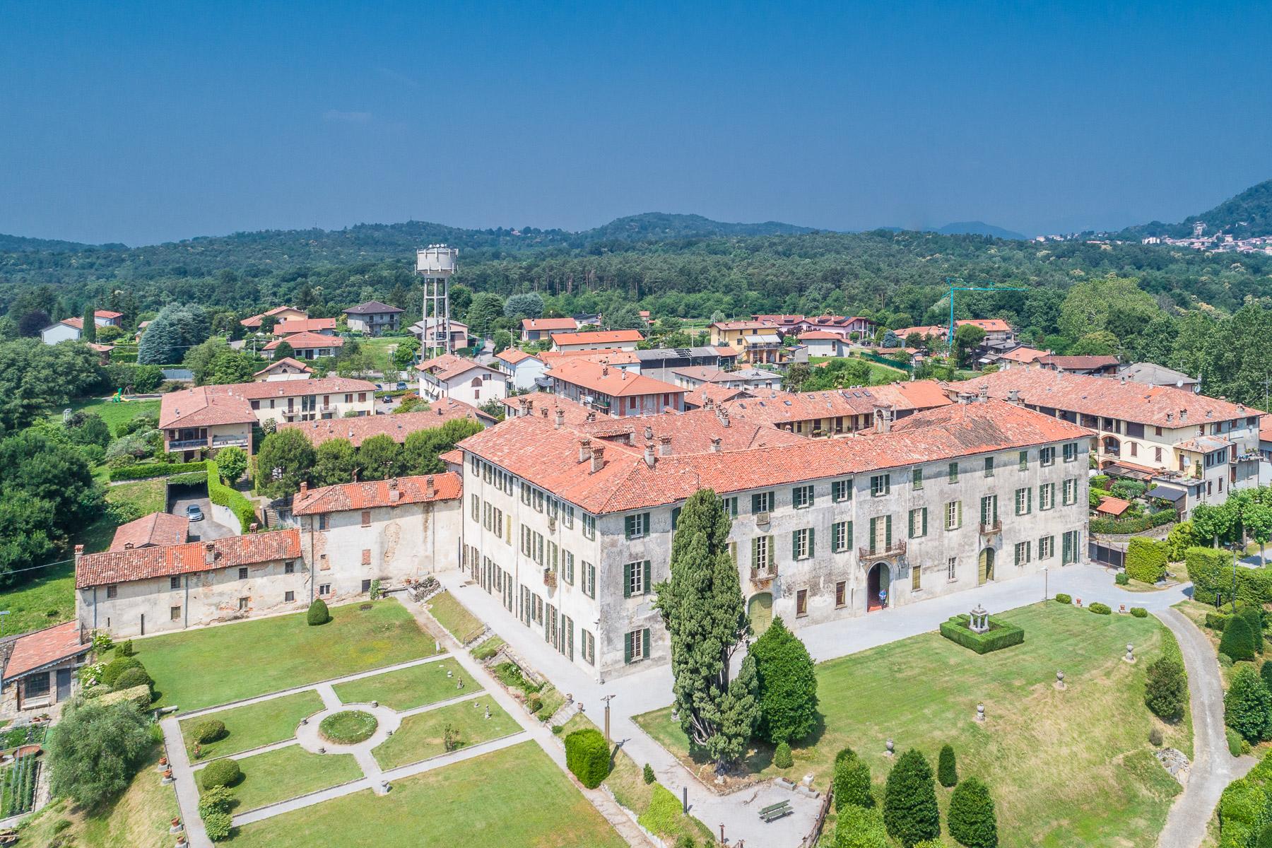 Villa in Vendita a Alzate Brianza: 5 locali, 4000 mq - Foto 2