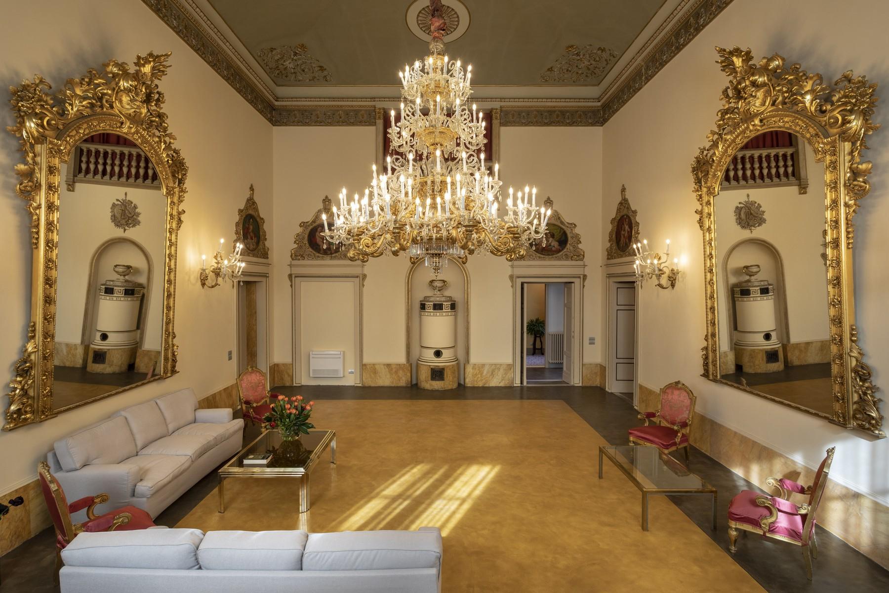 Appartamento in Affitto a Firenze: 5 locali, 500 mq