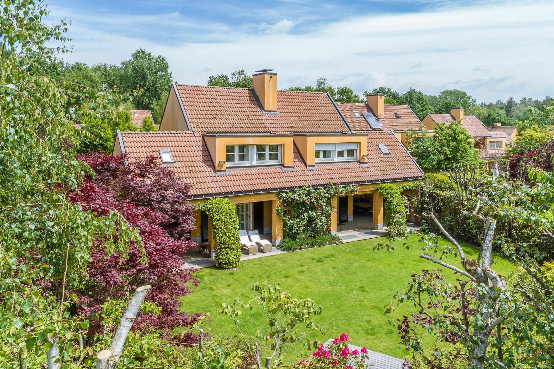 Villa in Vendita a Agrate Conturbia: 5 locali, 300 mq