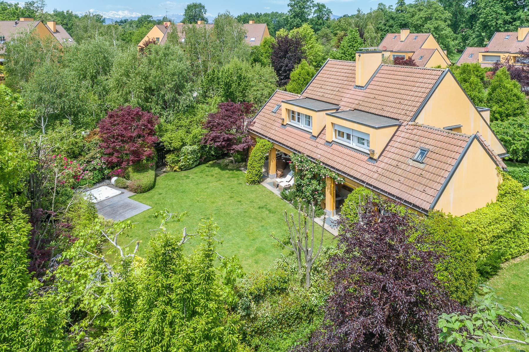 Villa in Vendita a Agrate Conturbia: 5 locali, 300 mq - Foto 2