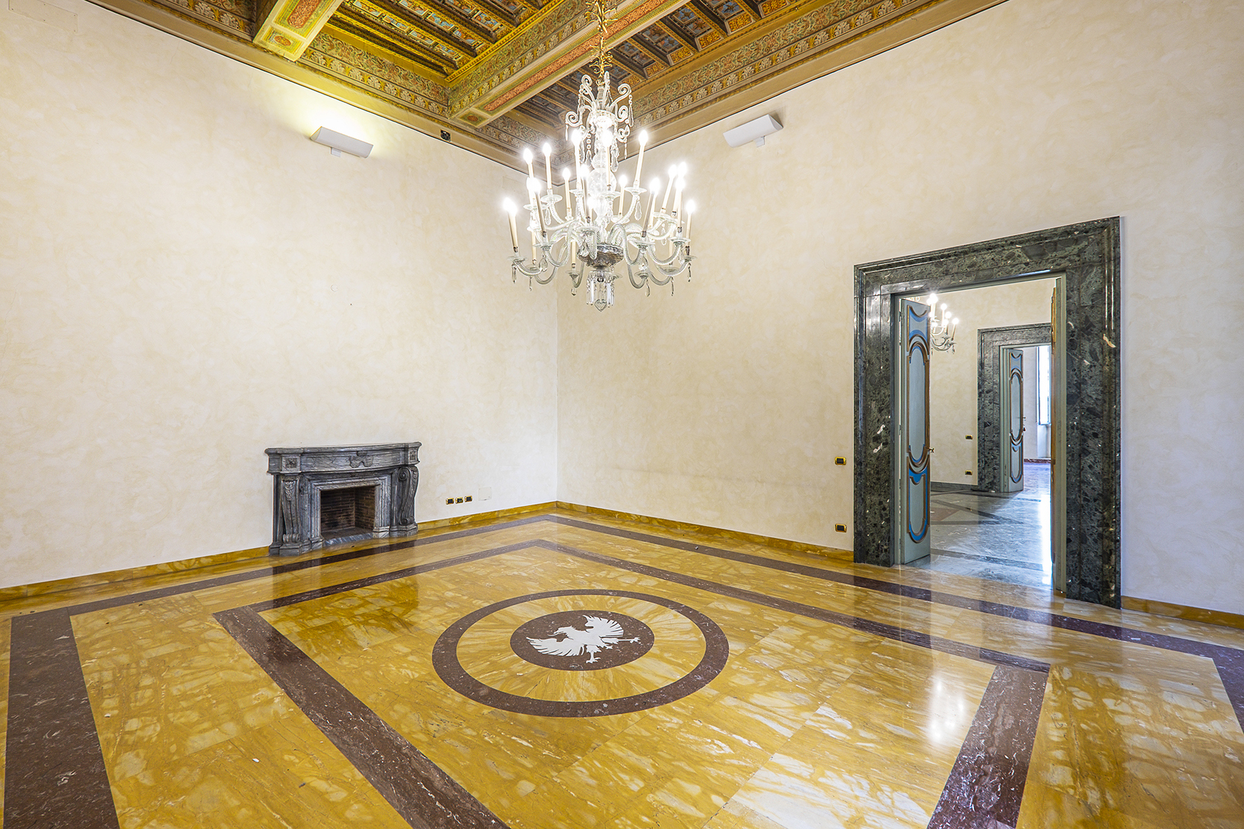 Ufficio studio di lusso in affitto a roma piazza dei santi for Affitto uffici rappresentanza roma