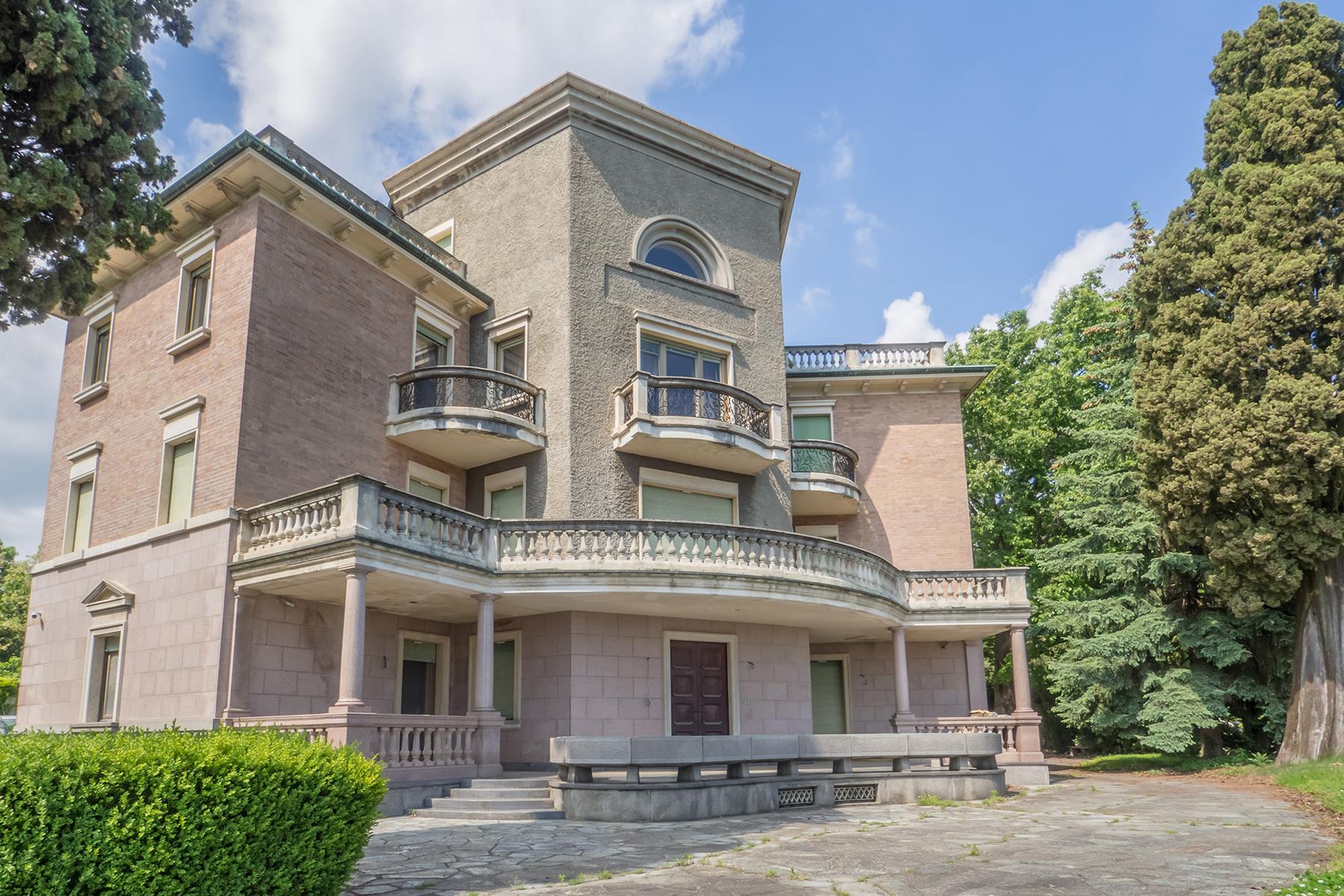 Appartamento in Vendita a Biella: 5 locali, 422 mq