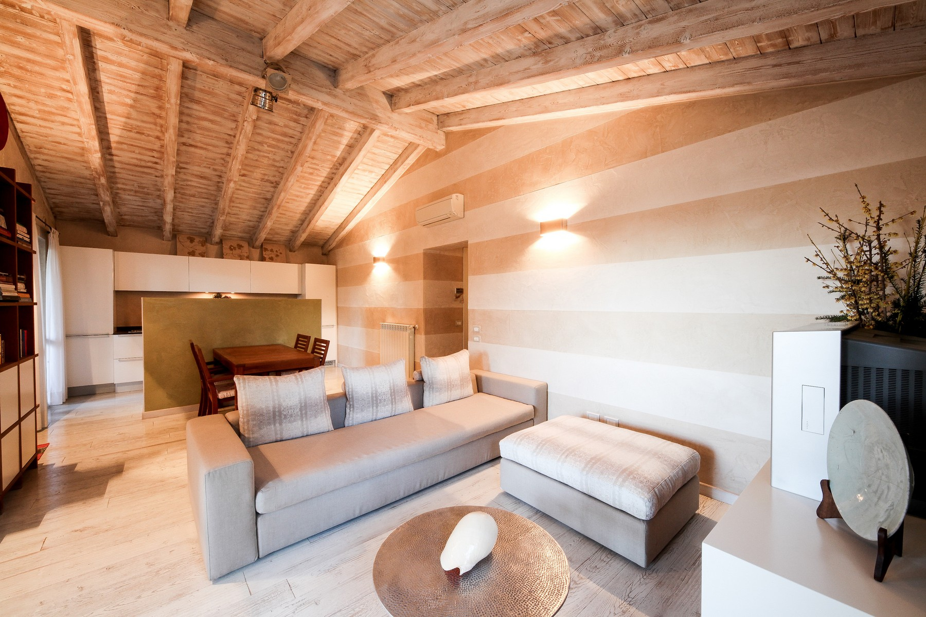 Attico in Vendita a Desenzano Del Garda: 4 locali, 158 mq