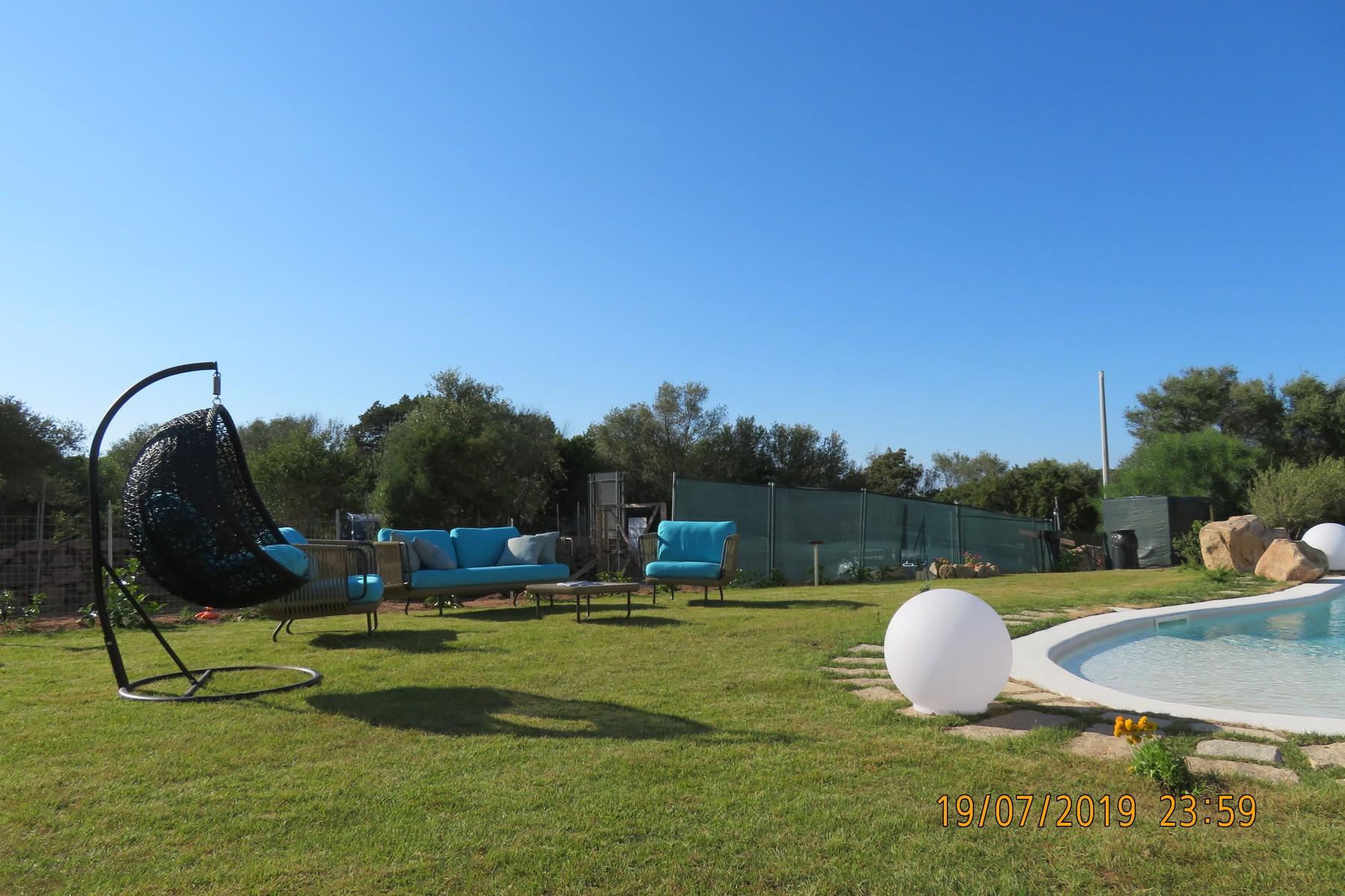Villa in Vendita a Arzachena: 5 locali, 316 mq