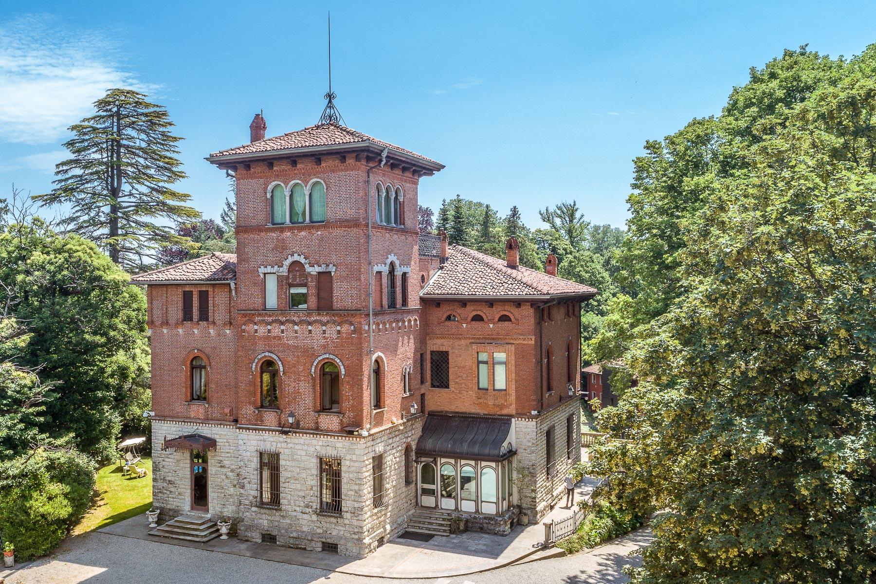Villa in Vendita a Varese via adda