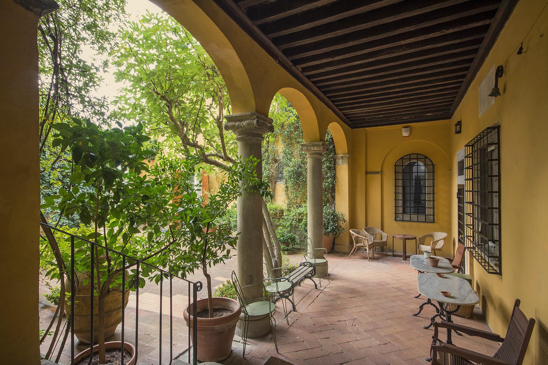 Villa in Vendita a Firenze: 5 locali, 680 mq - Foto 2