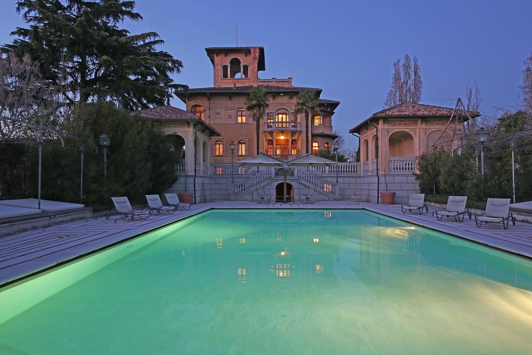 Villa in Vendita a Lonato: 5 locali, 2900 mq