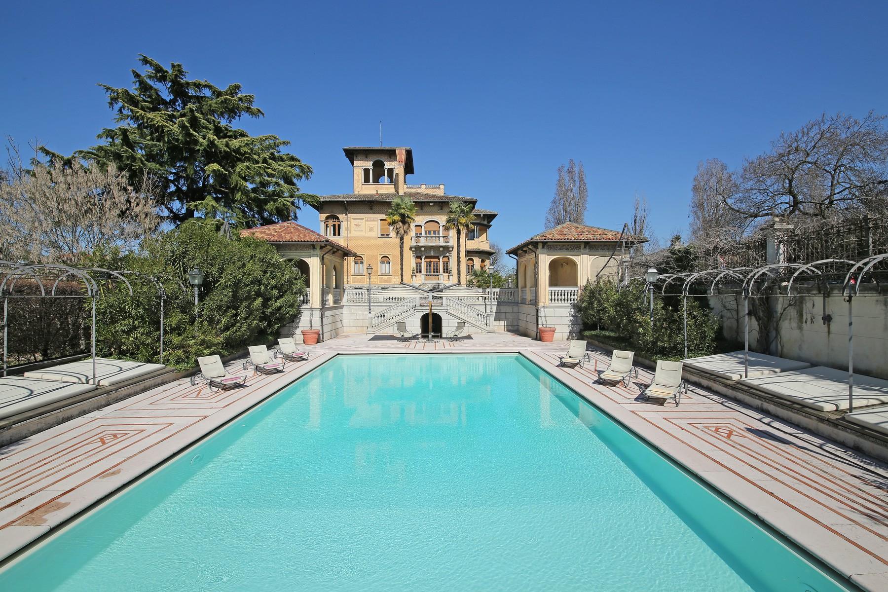Villa in Vendita a Lonato: 5 locali, 2900 mq - Foto 3