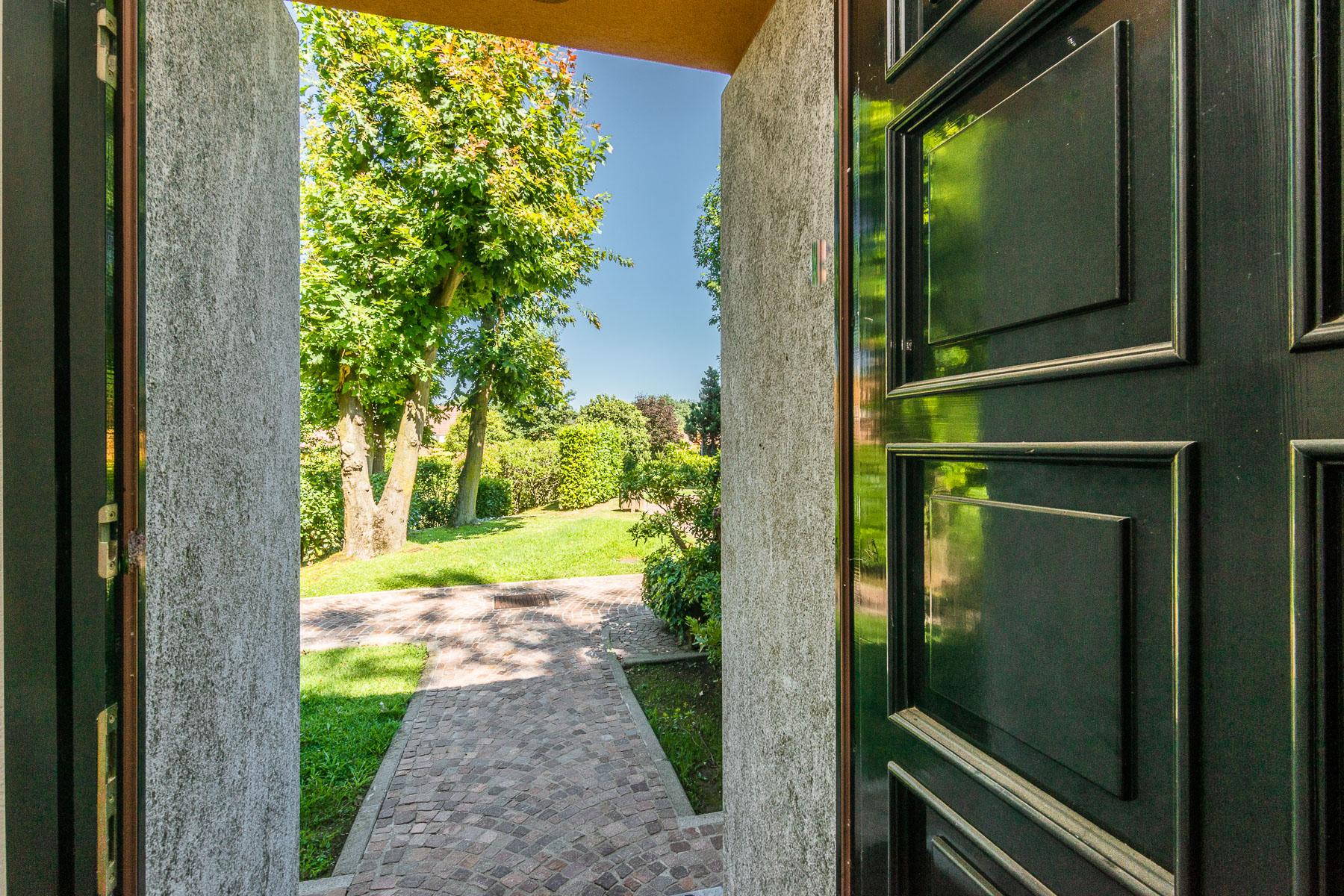 Villa in Vendita a Agrate Conturbia: 5 locali, 324 mq