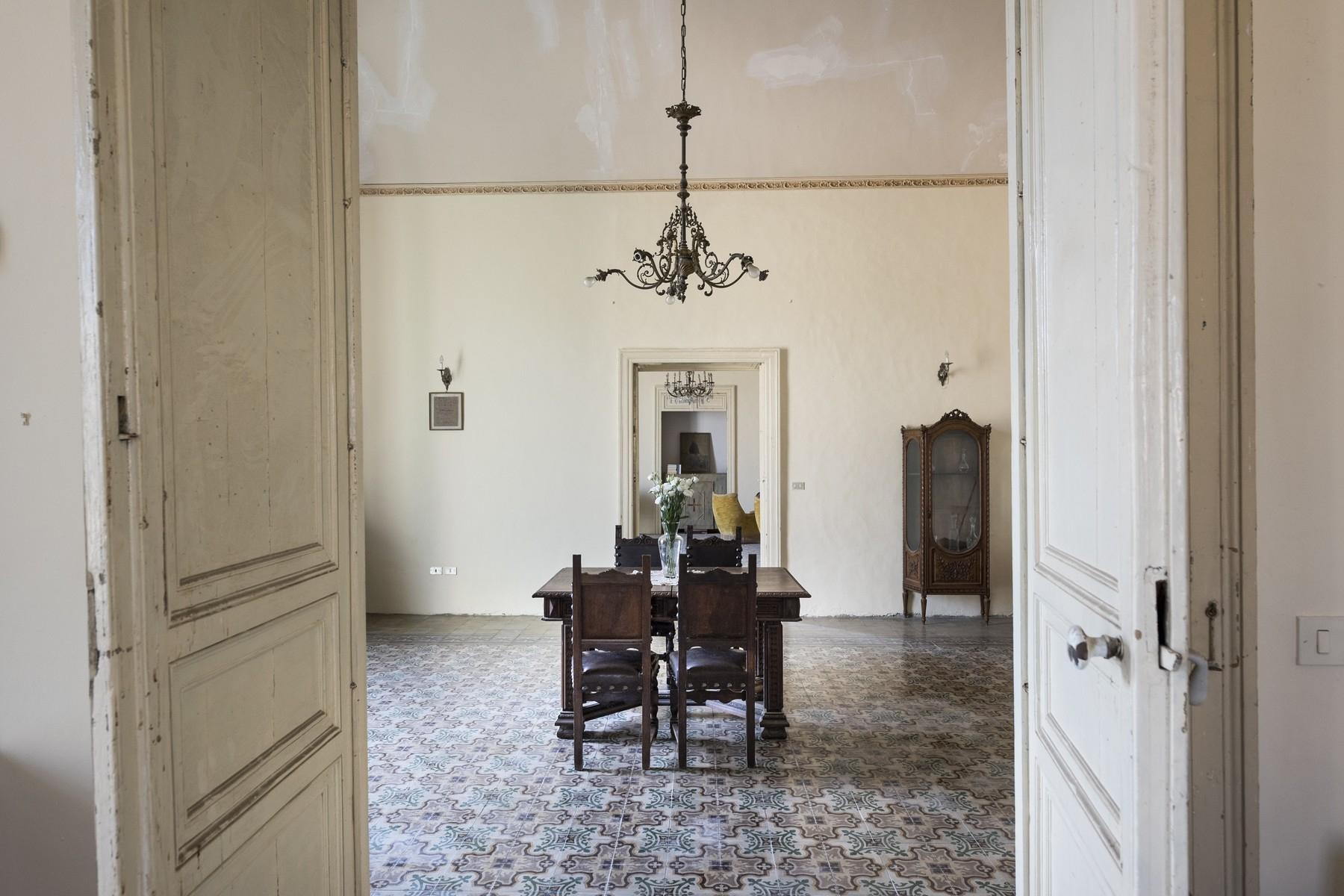 Palazzo in Vendita a Noto: 5 locali, 500 mq