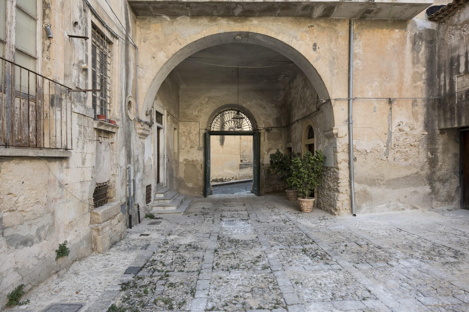 Palazzo in Vendita a Noto: 5 locali, 650 mq - Foto 6