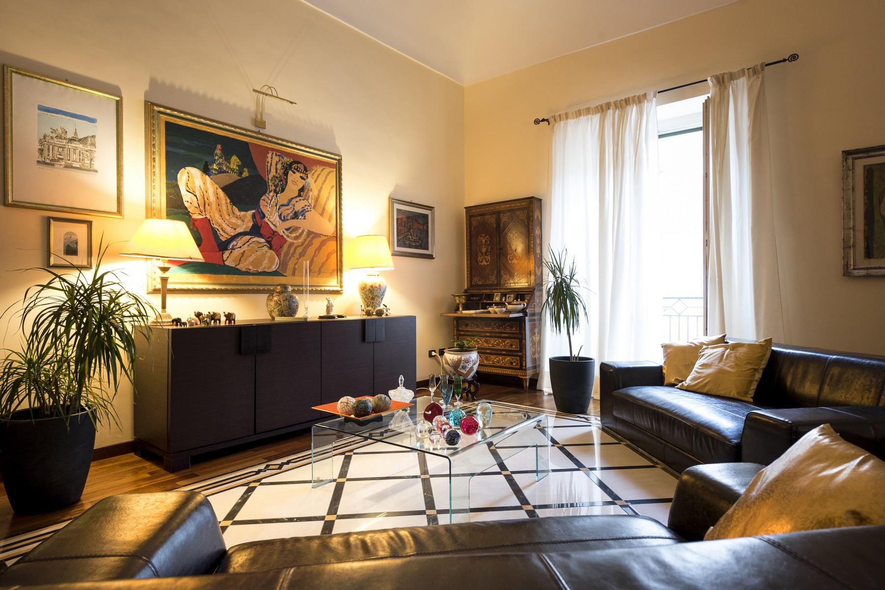 Palazzo in Vendita a Noto: 5 locali, 800 mq