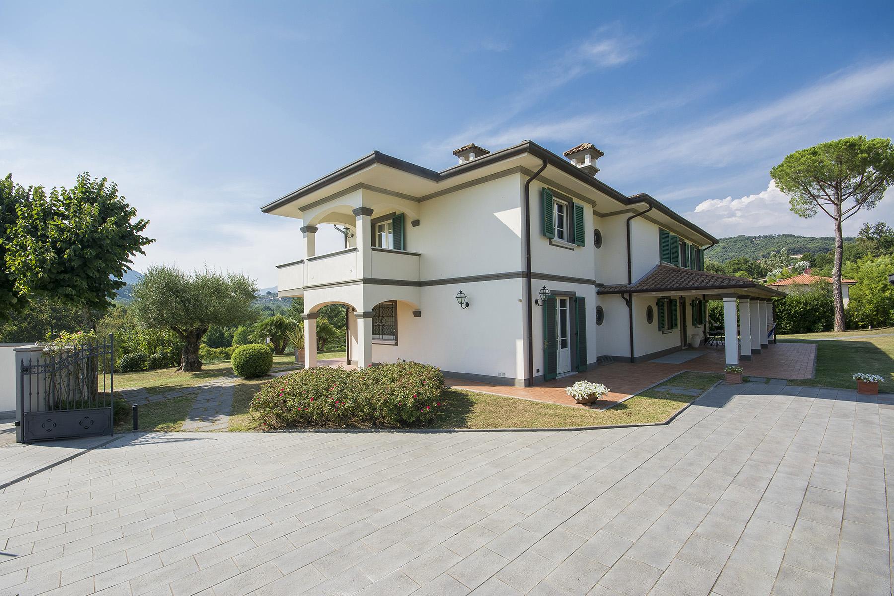 Casa indipendente in Vendita a Lucca: 5 locali, 300 mq - Foto 2