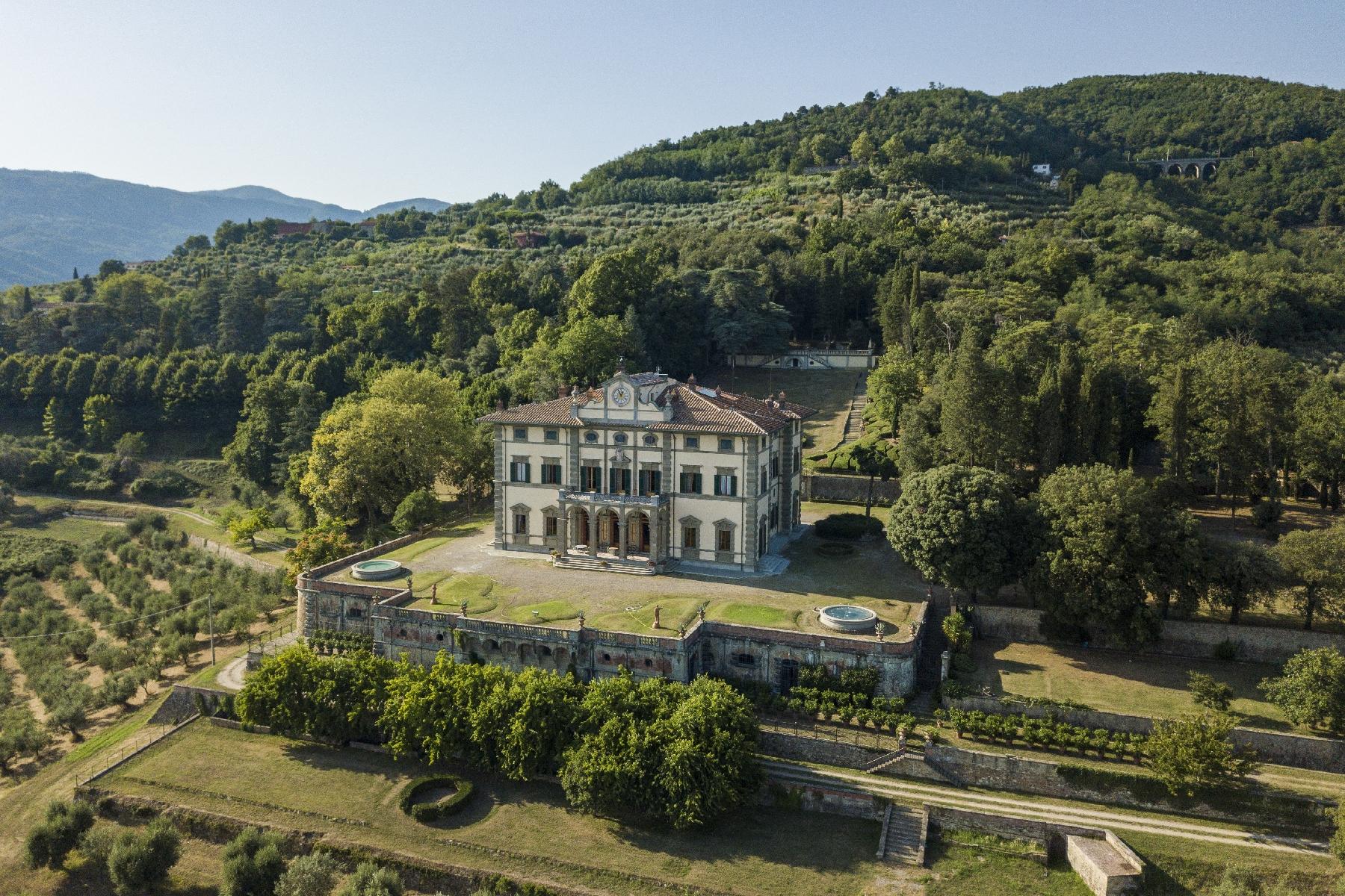 Villa in Vendita a Pistoia via della crocina