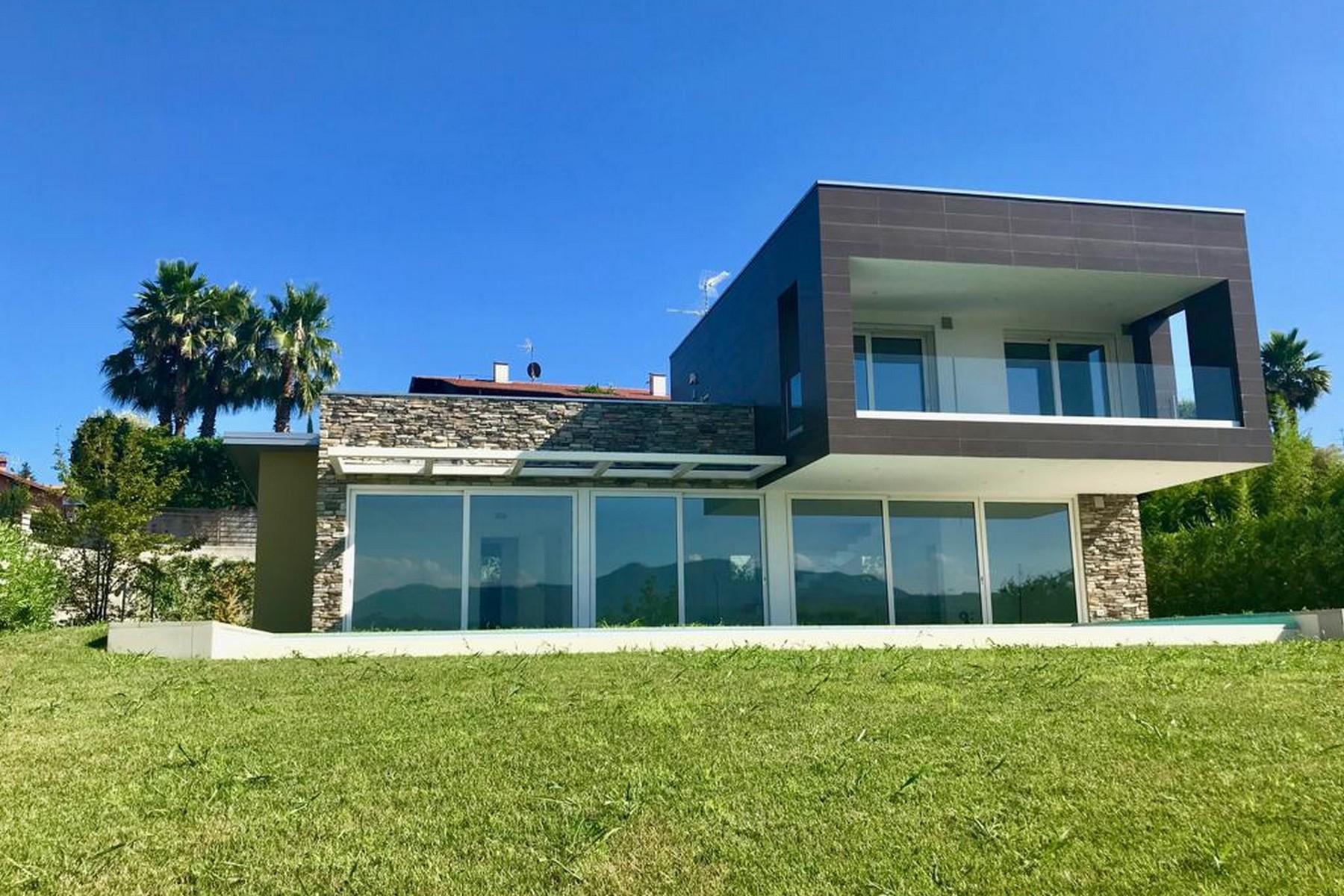 Villa in Vendita a Manerba Del Garda: 5 locali, 310 mq