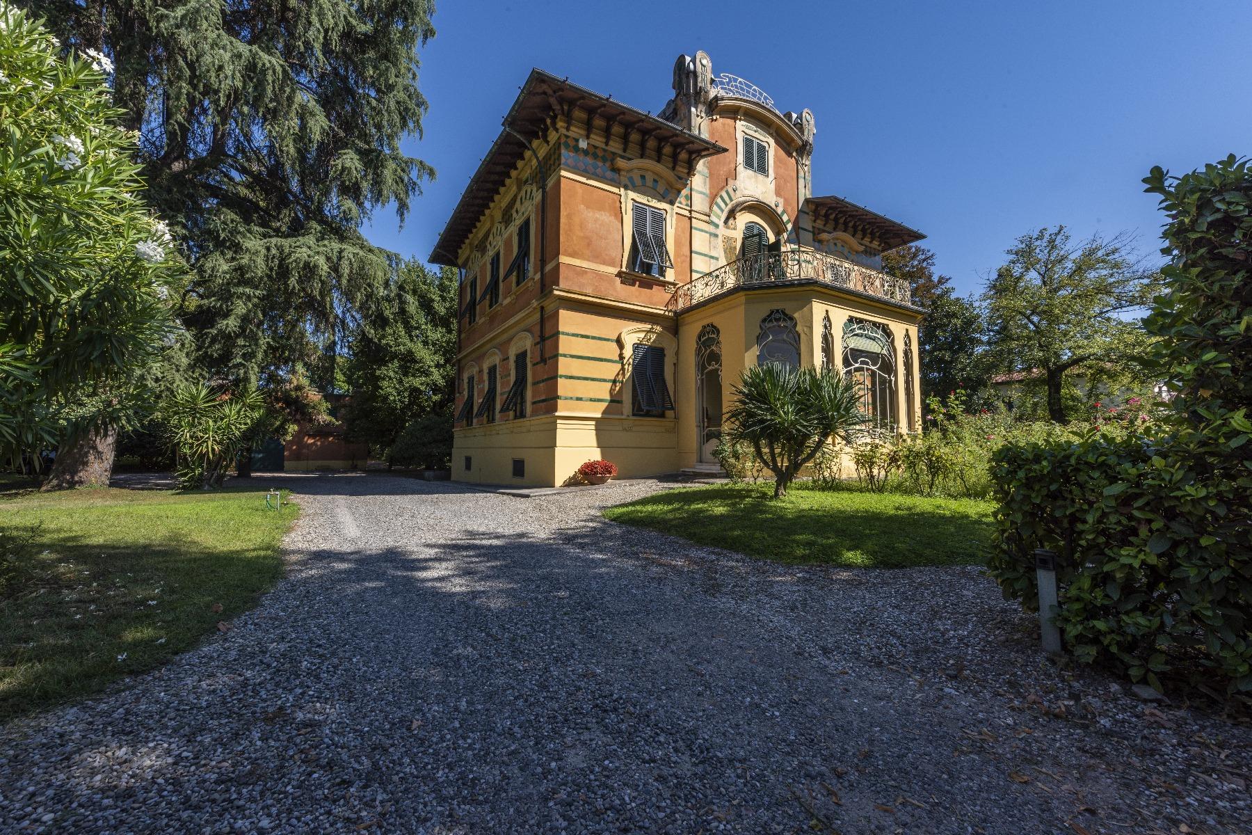 Villa in Vendita a Lucca: 5 locali, 660 mq - Foto 2