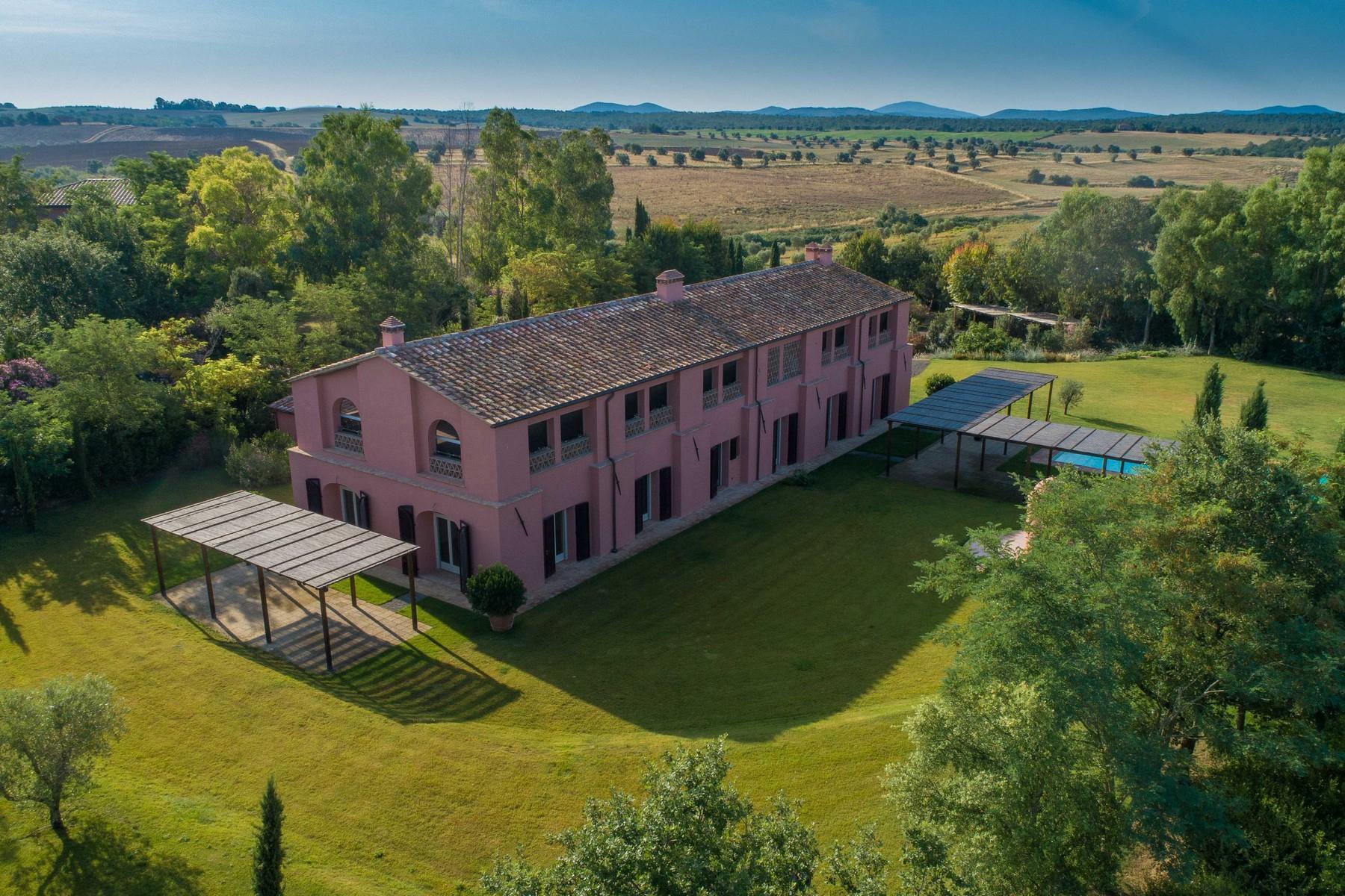 Villa in Vendita a Magliano In Toscana: 5 locali, 790 mq