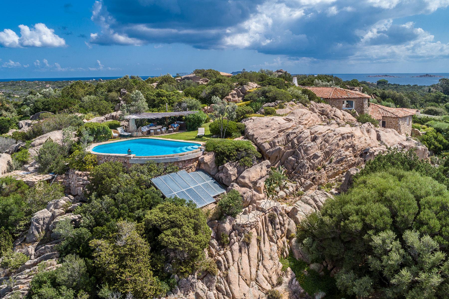 Villa in Vendita a Arzachena: 5 locali, 326 mq - Foto 2