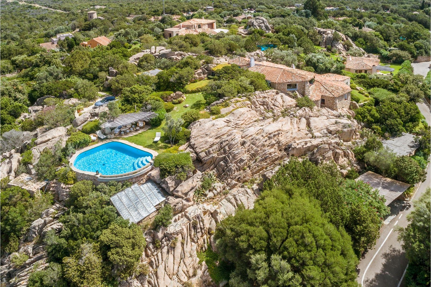 Villa in Vendita a Arzachena via petra manna