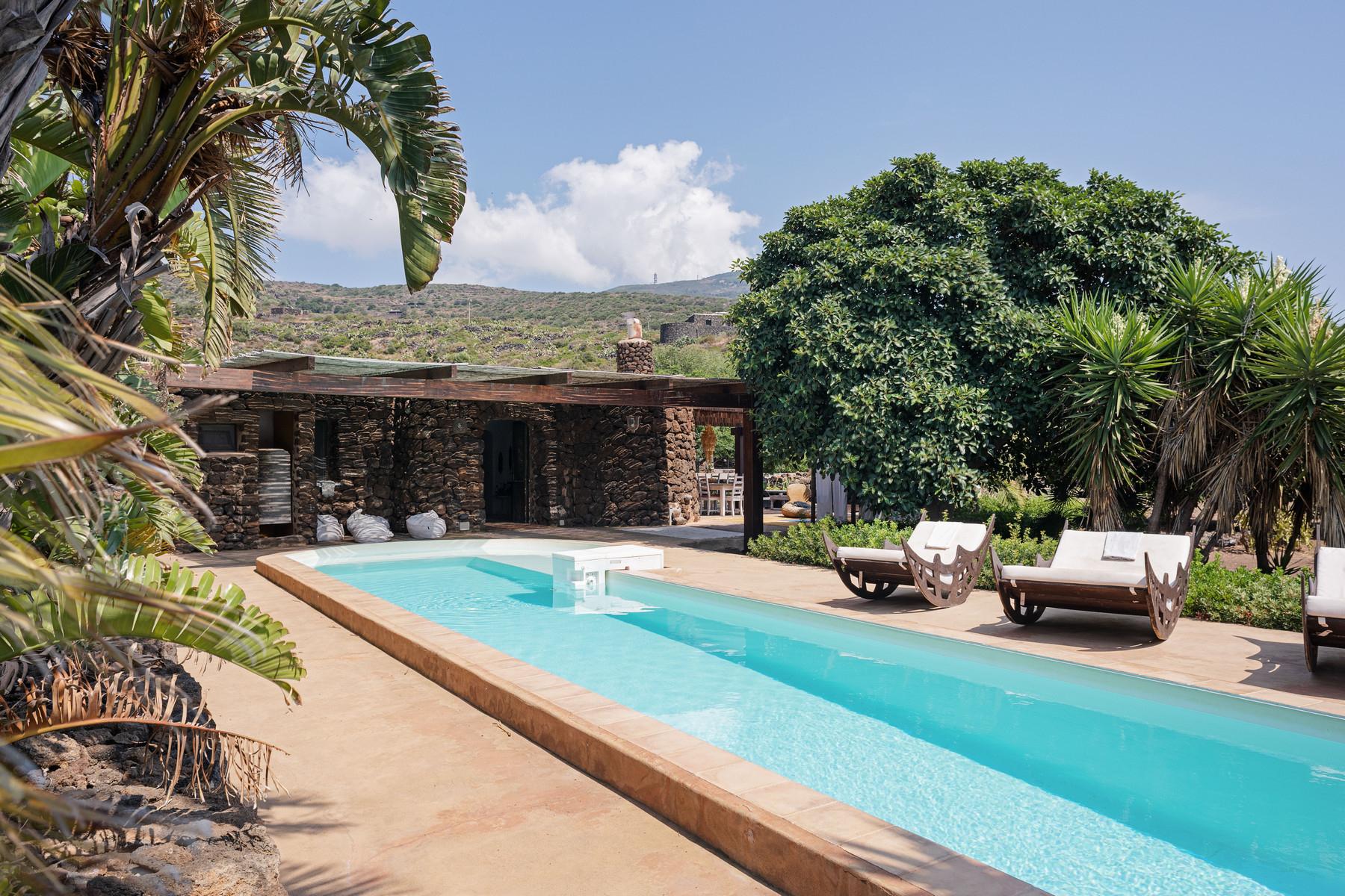 Villa in Vendita a Pantelleria contrada penna