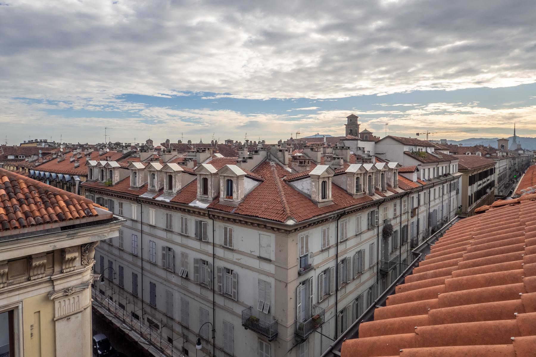 Appartamento in Vendita a Torino Centro: 2 locali, 70 mq