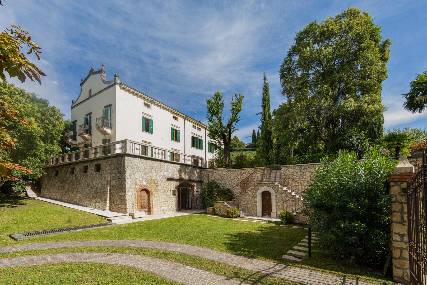 Villa in Vendita a Verona corso cavour