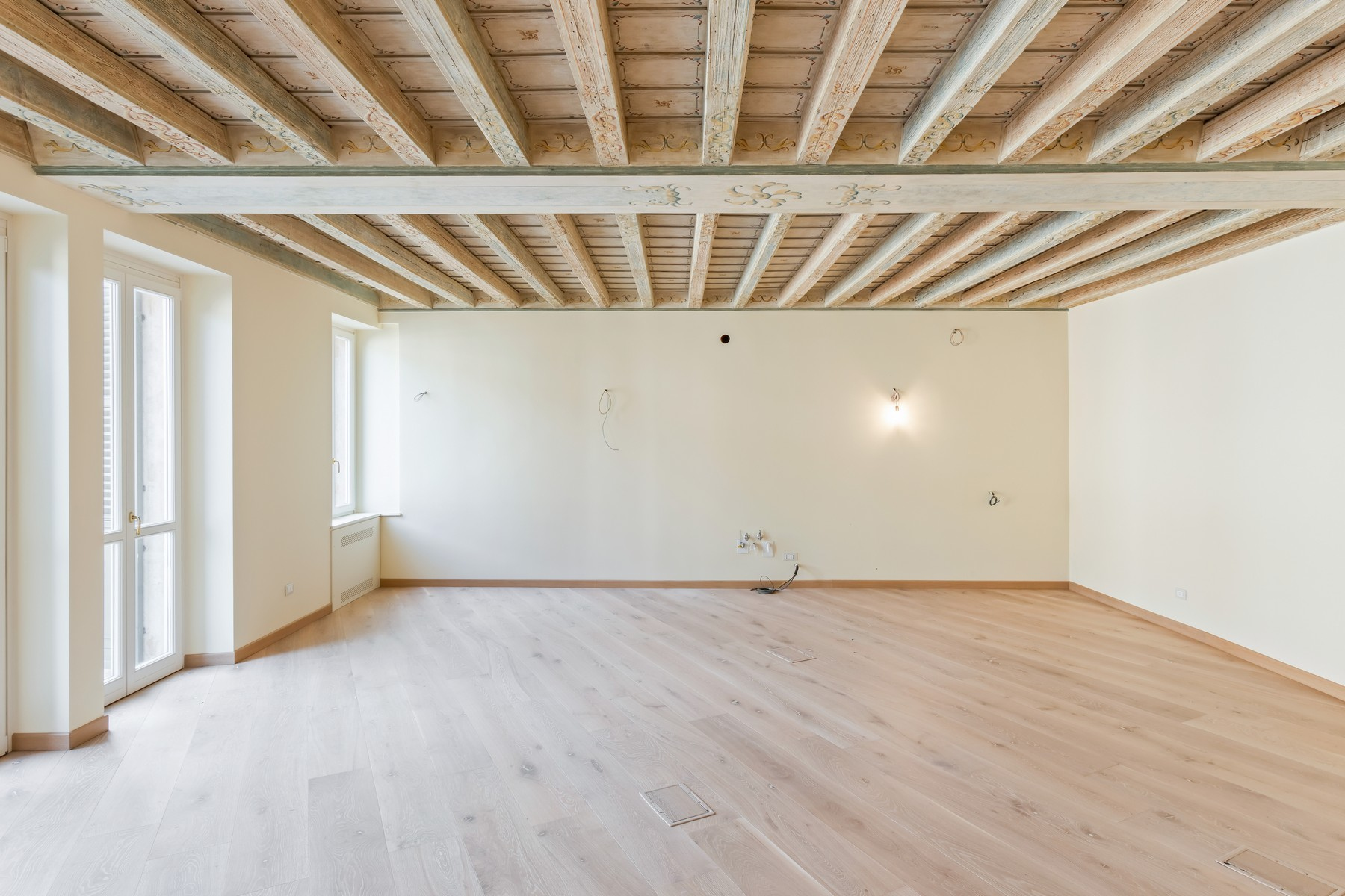 Appartamento in Vendita a Verona: 5 locali, 150 mq - Foto 2