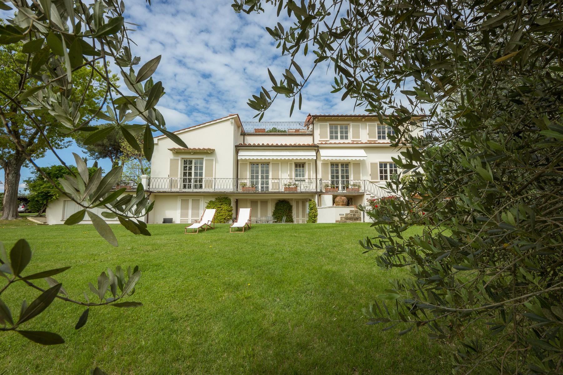 Villa in Vendita a Firenze Semicentro Nord:  5 locali, 618 mq  - Foto 1