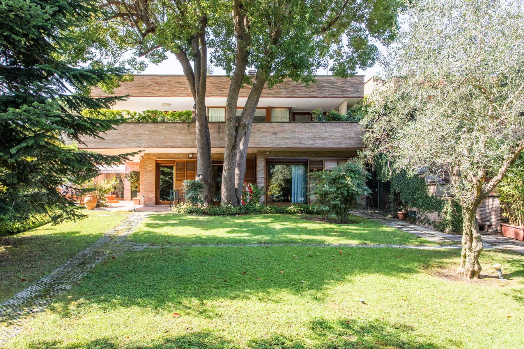 Villa in Vendita a Roma 36 Cassia / Olgiata: 5 locali, 650 mq