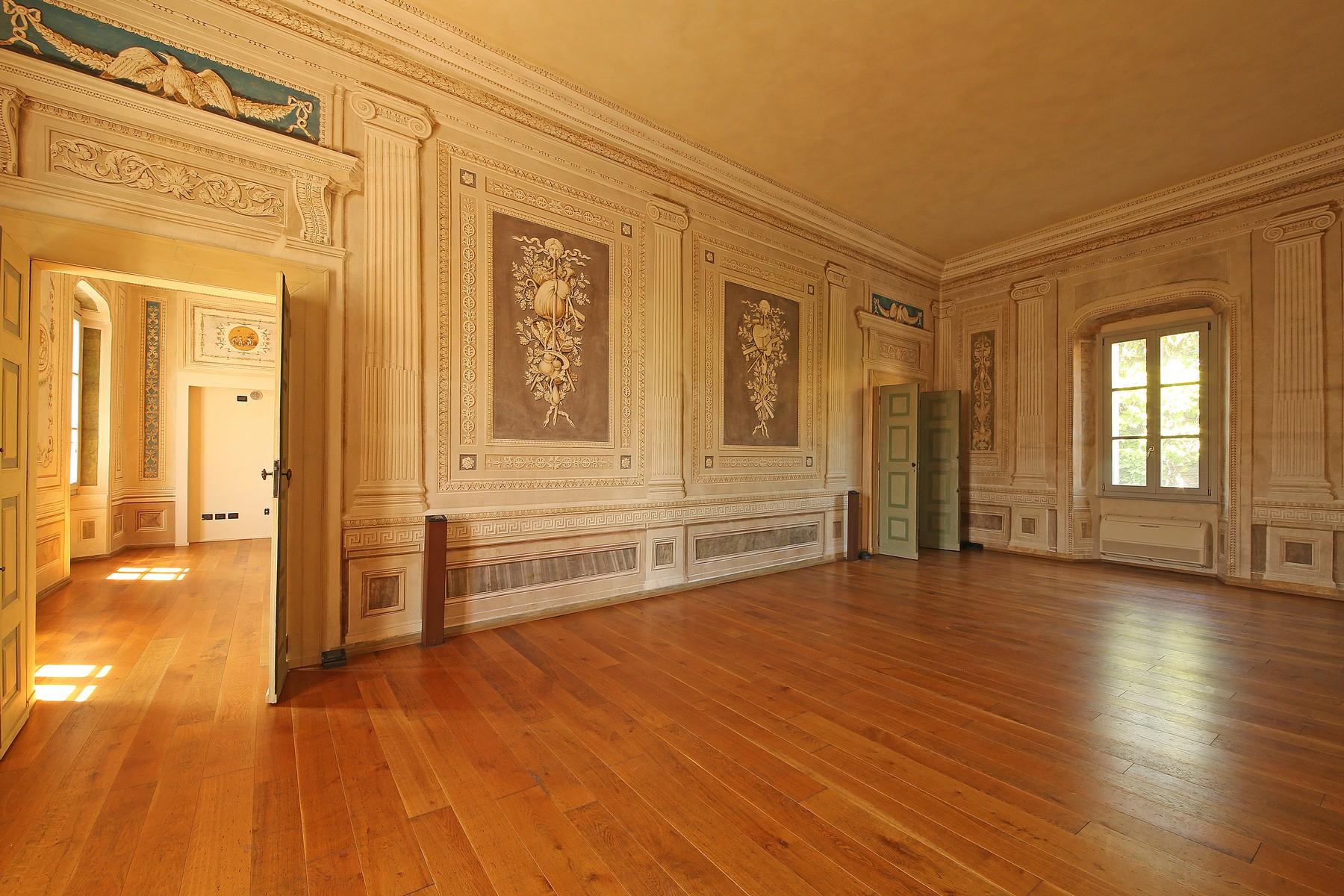 Appartamento in Vendita a Lonato: 5 locali, 250 mq