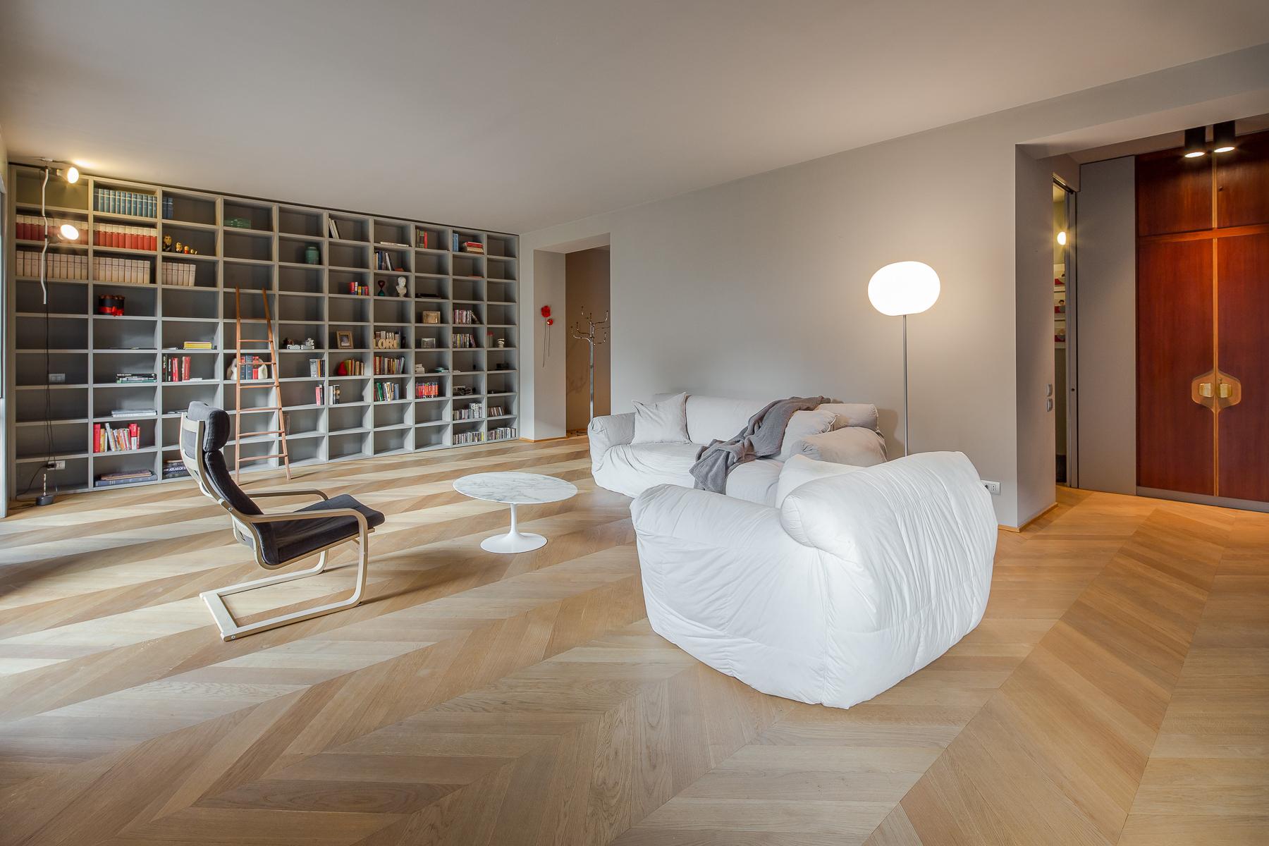 Appartamento in Vendita a Milano 03 Venezia / Piave / Buenos Aires: 5 locali, 215 mq