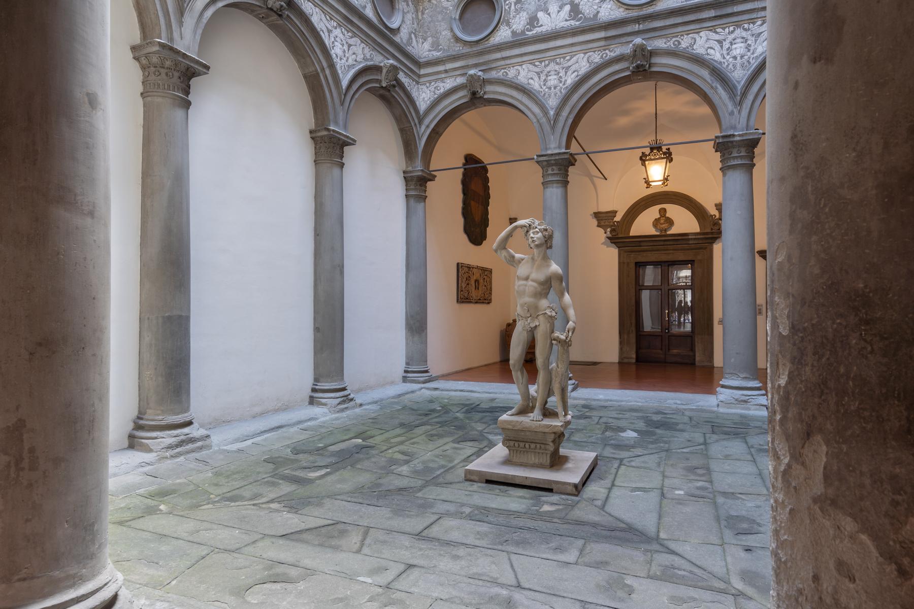 Appartamento in Affitto a Firenze Centro: 5 locali, 270 mq