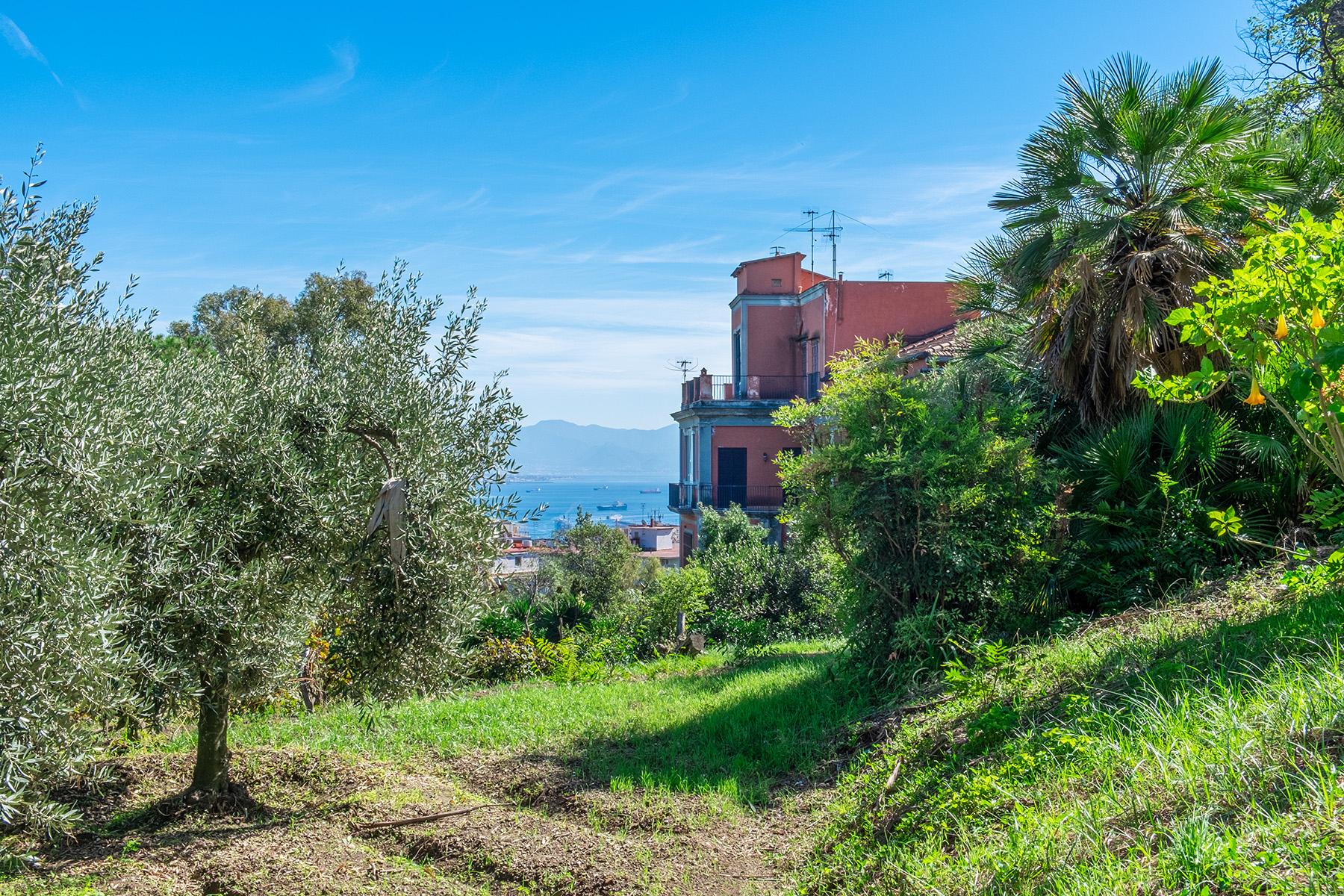 Casa indipendente in Vendita a Napoli: 5 locali, 300 mq - Foto 2