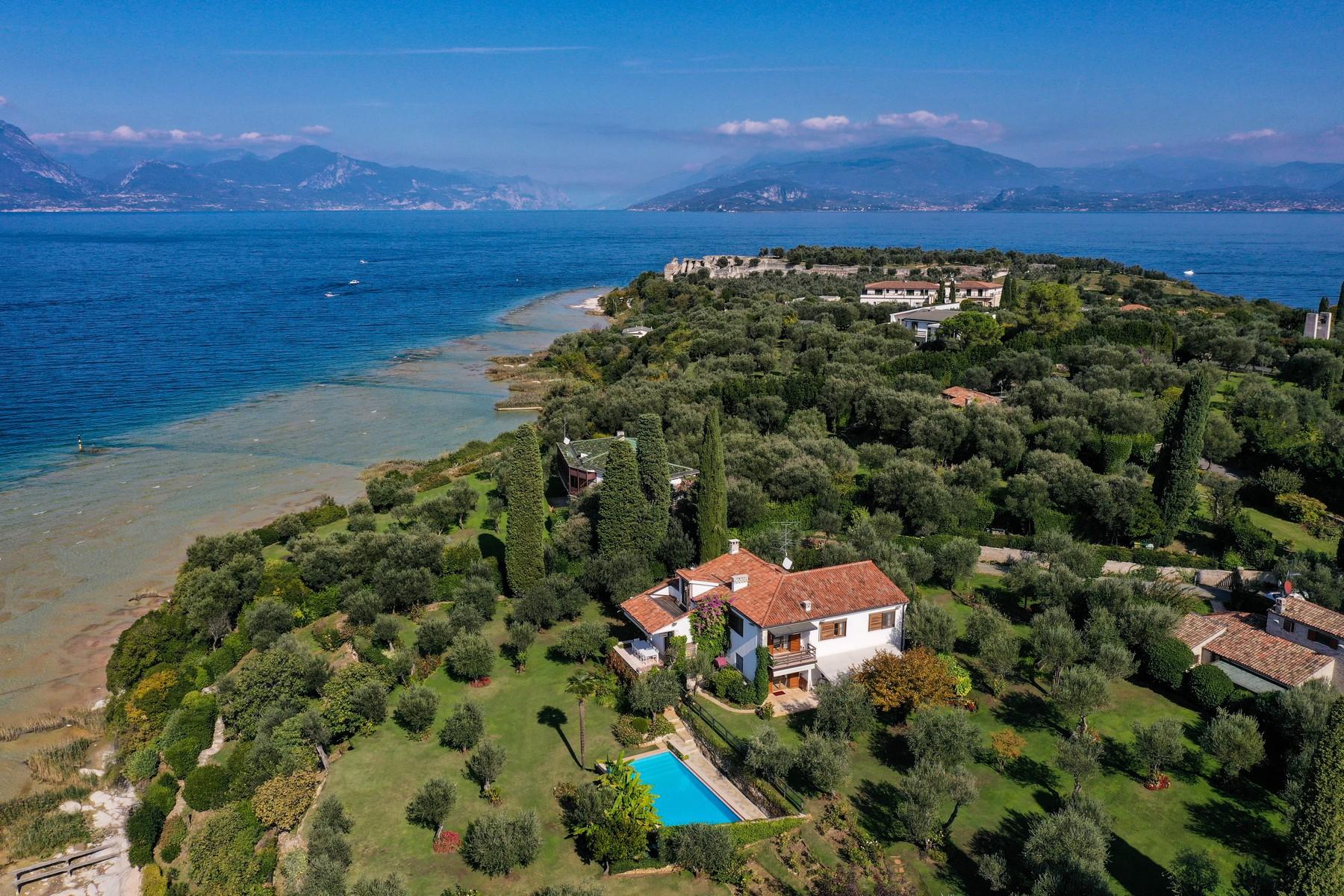 Villa in Vendita a Sirmione: 5 locali, 500 mq - Foto 2