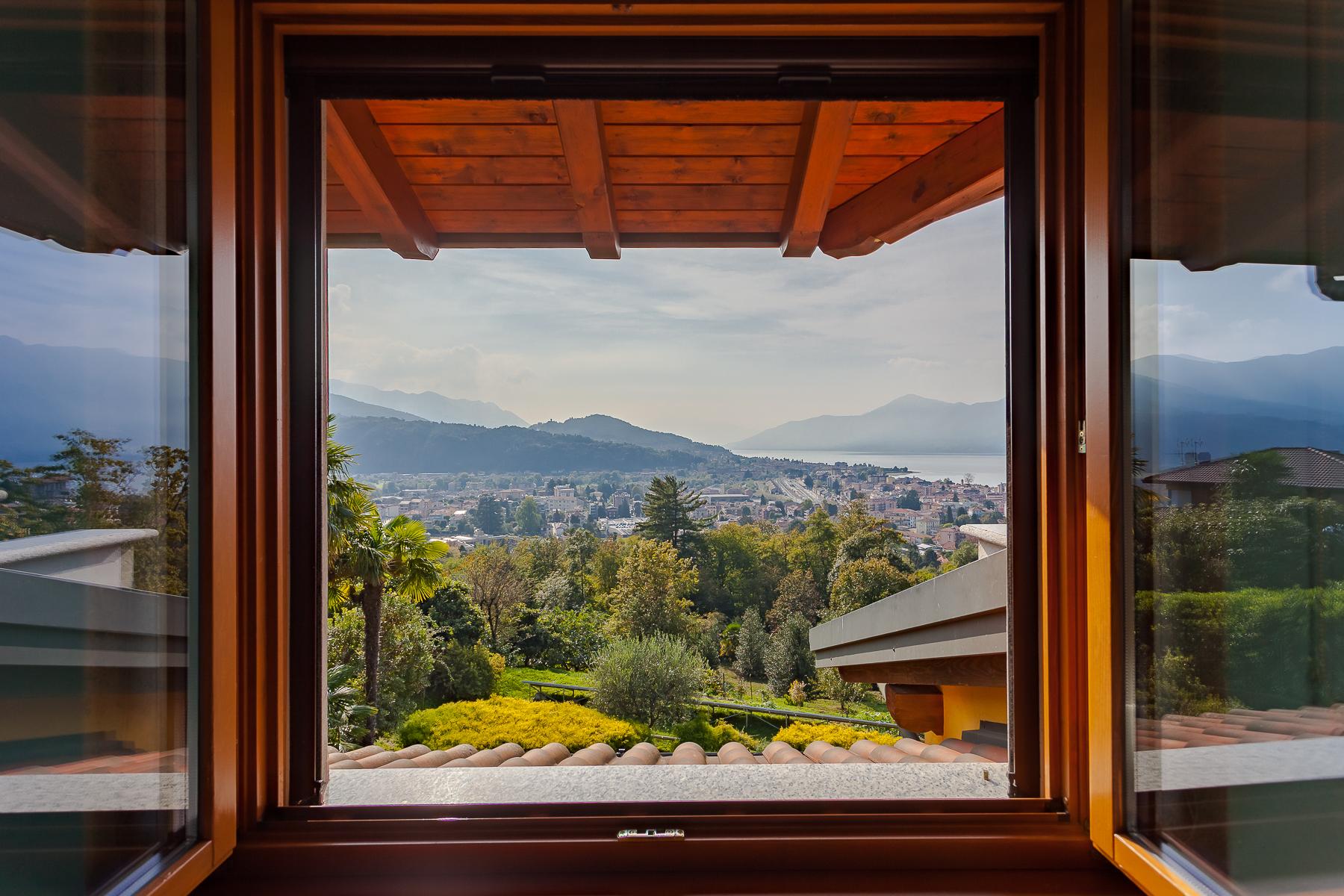 Villa in Vendita a Luino via luino, moncucco