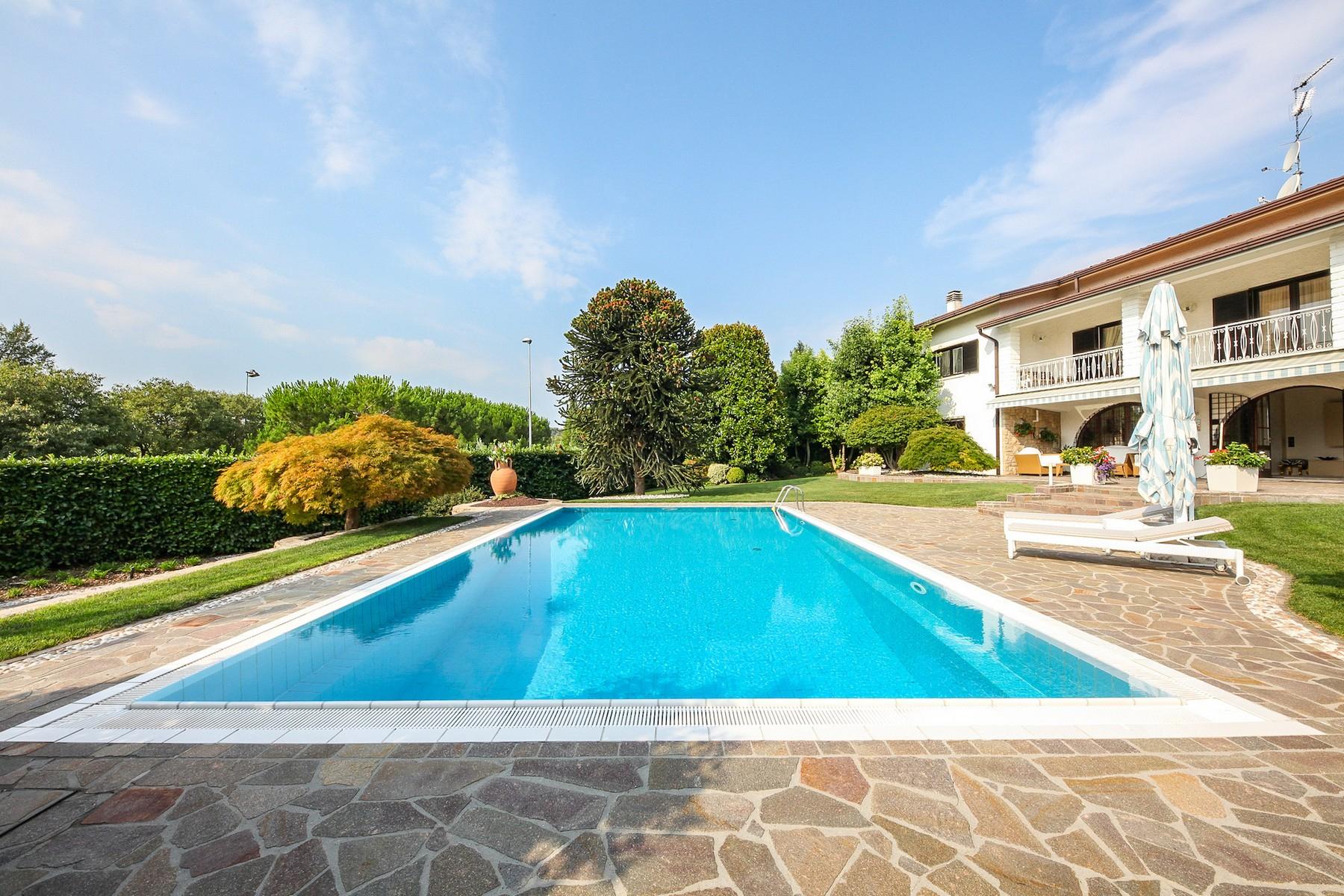Villa in Vendita a Padenghe Sul Garda: 5 locali, 330 mq