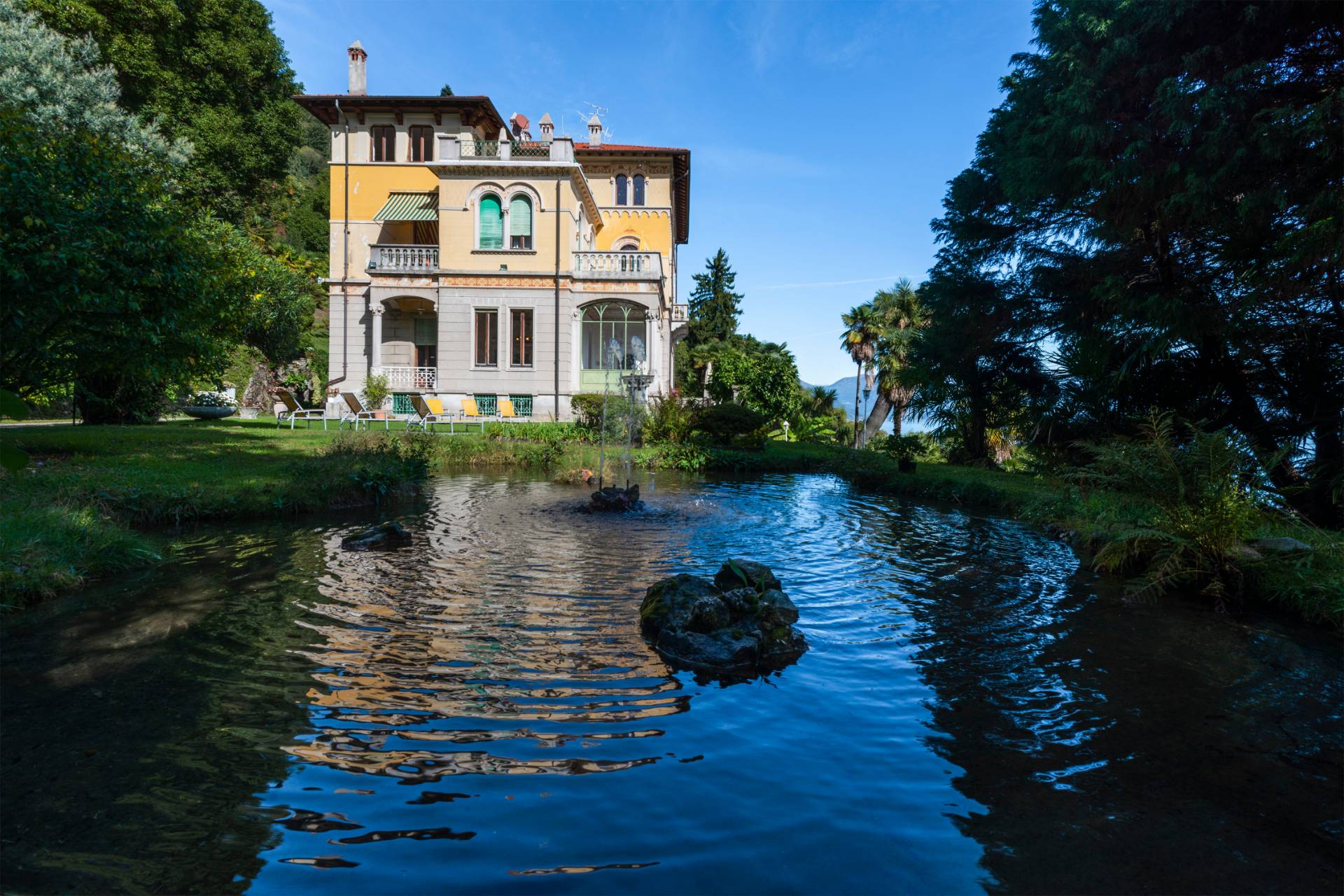 Villa in Vendita a Ghiffa: 5 locali, 615 mq - Foto 1