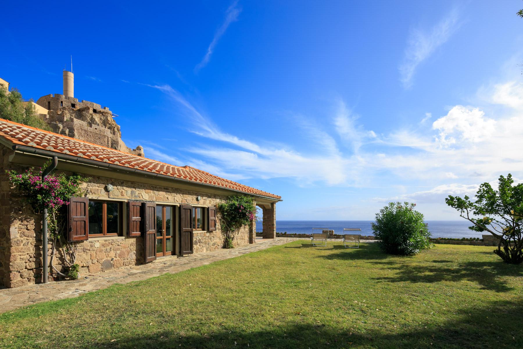 Villa in Vendita a Capraia Isola: 5 locali, 320 mq - Foto 1