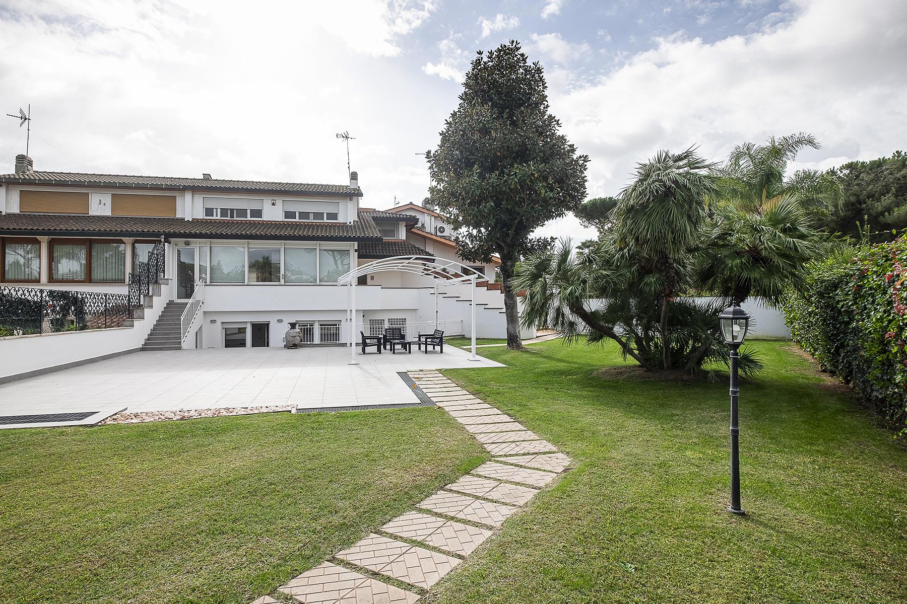 Casa indipendente in Affitto a Roma 26 Axa / Casalpalocco / Infernetto: 5 locali, 271 mq