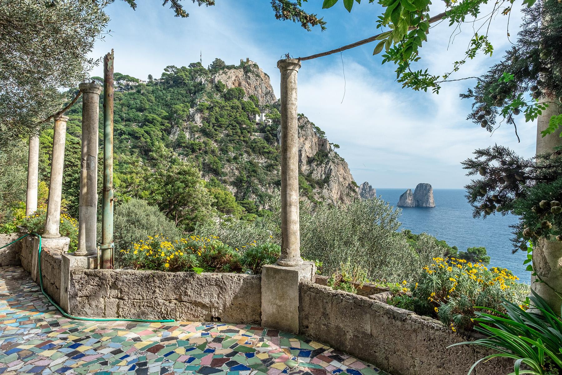 Villa in Vendita a Capri via marina piccola